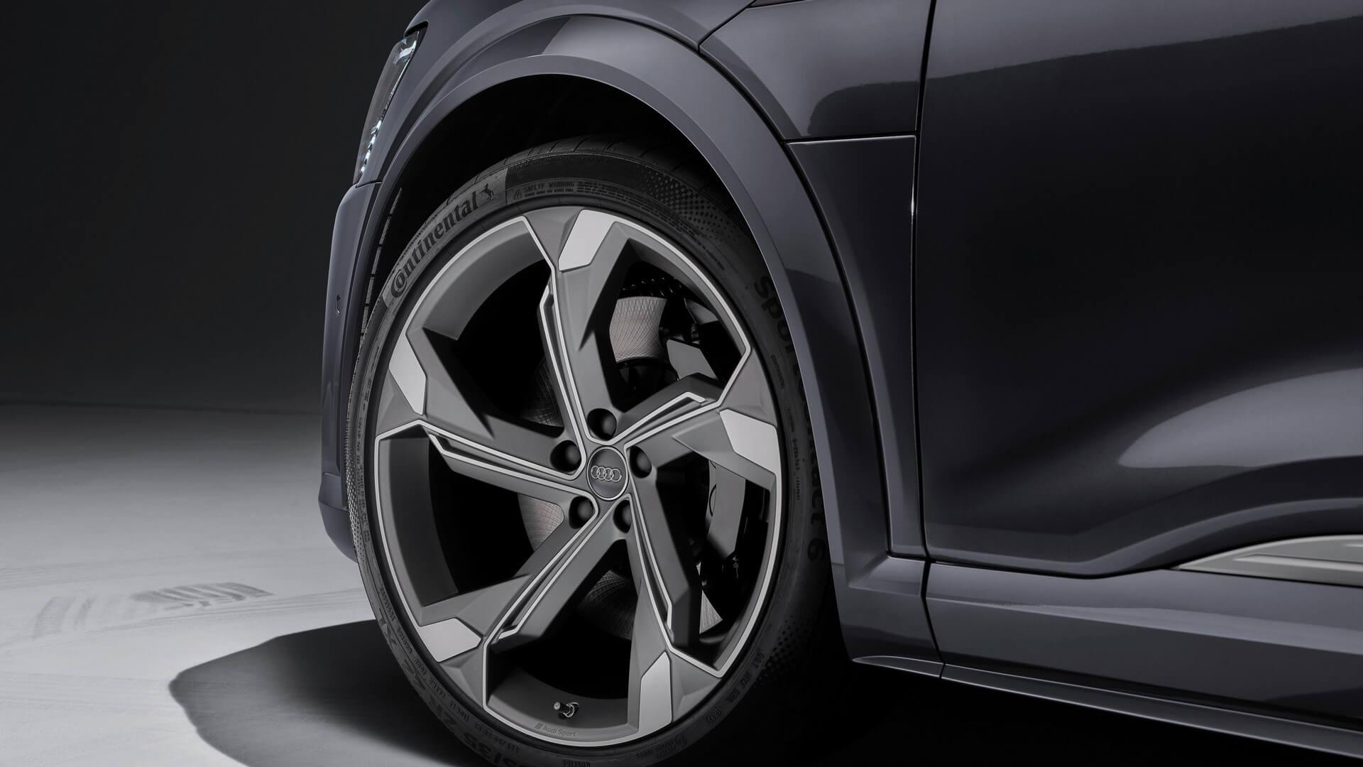 Audi-E-Tron-S-and-E-Tron-S-Sportback-2020-90