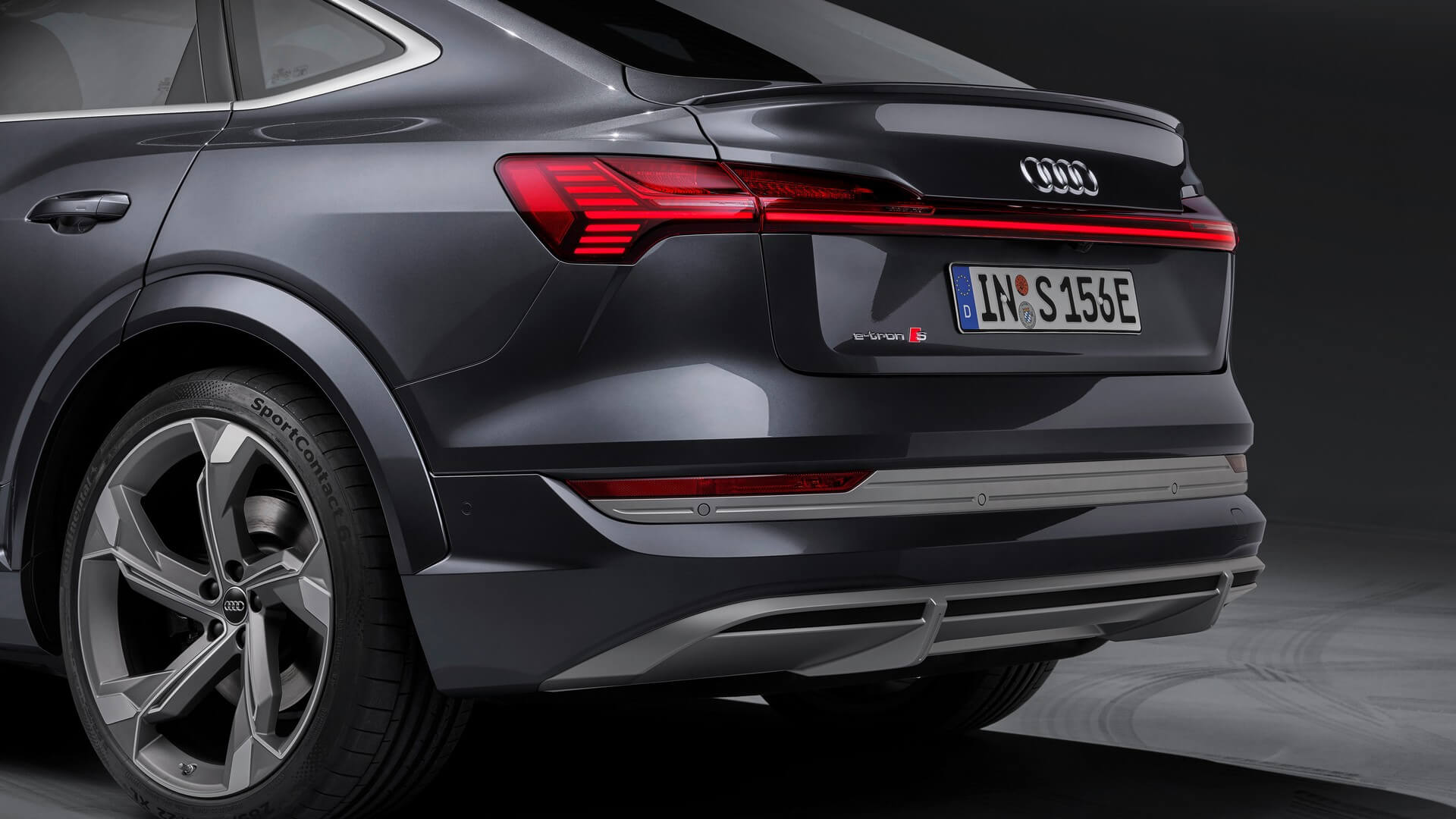 Audi-E-Tron-S-and-E-Tron-S-Sportback-2020-95