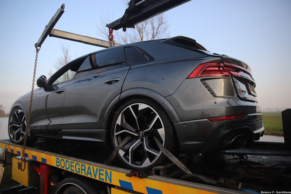 Audi-Q8-RS-Crash-82