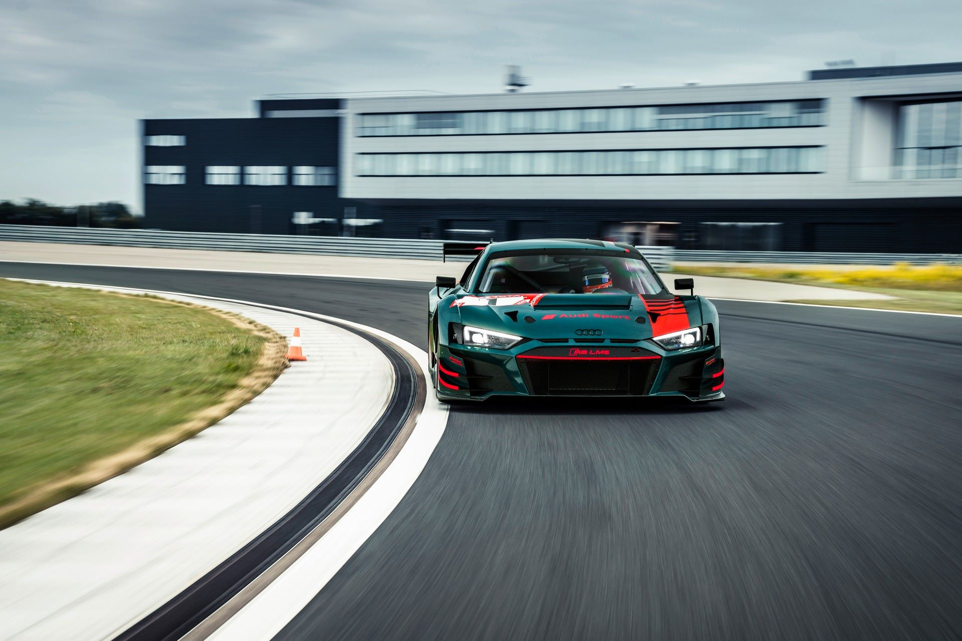 Audi-R8-Green-Hell-Edition-31