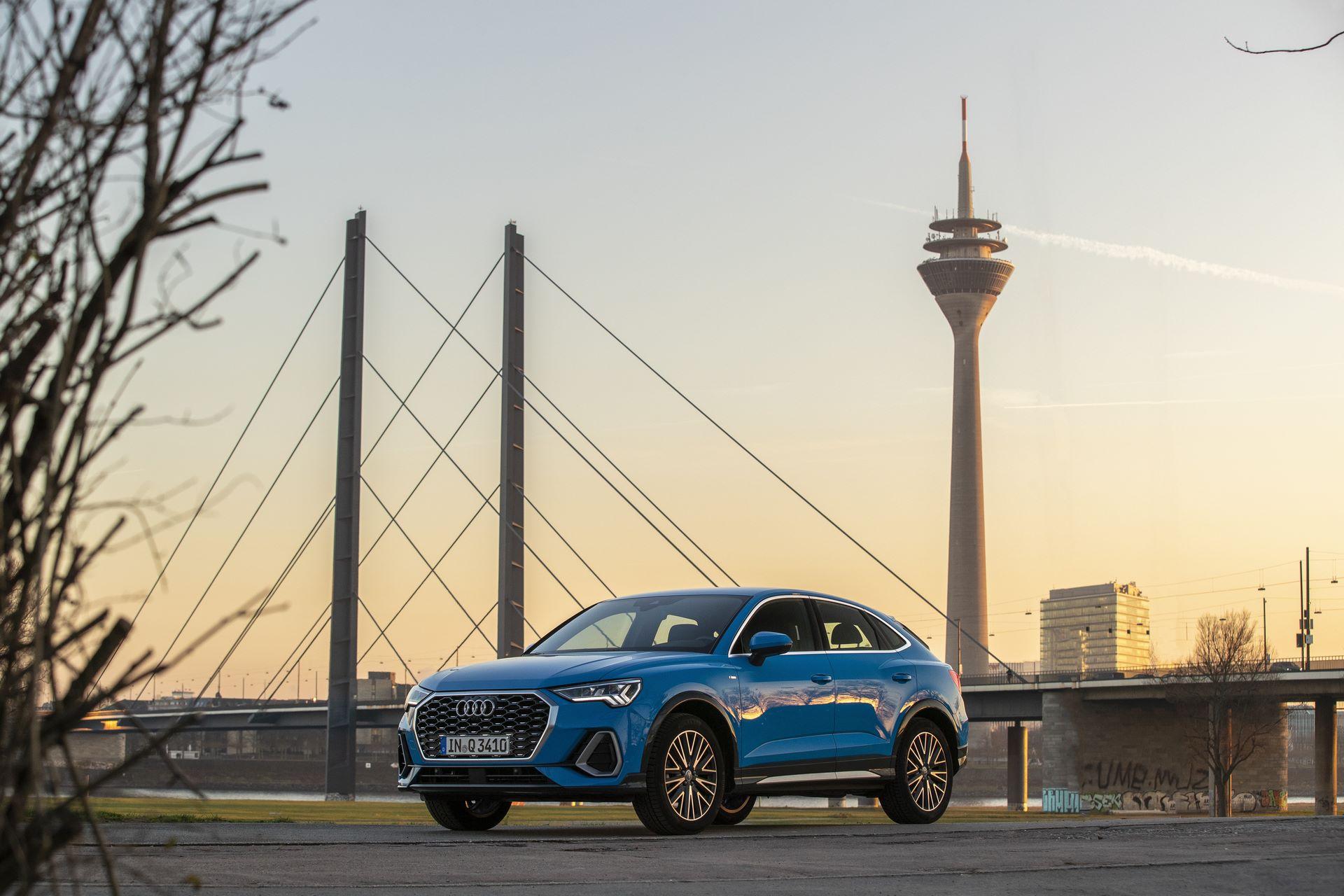 Audi-Traffic-Light-Dusseldorf-3