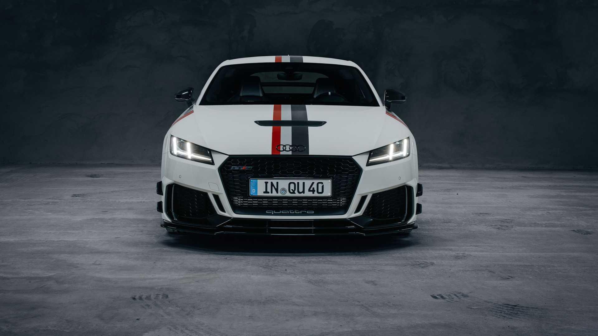 Audi_TT_RS_40_Years_Of_Quattro_0000