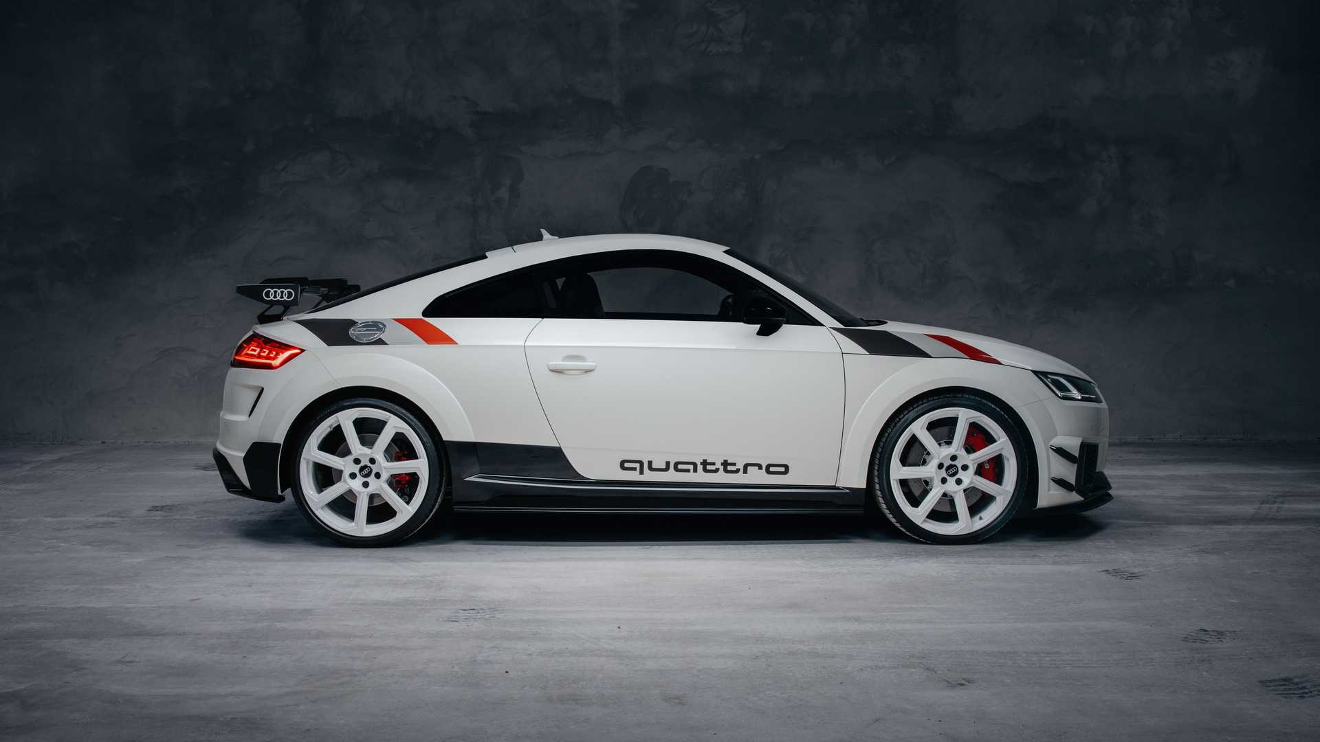 Audi_TT_RS_40_Years_Of_Quattro_0002