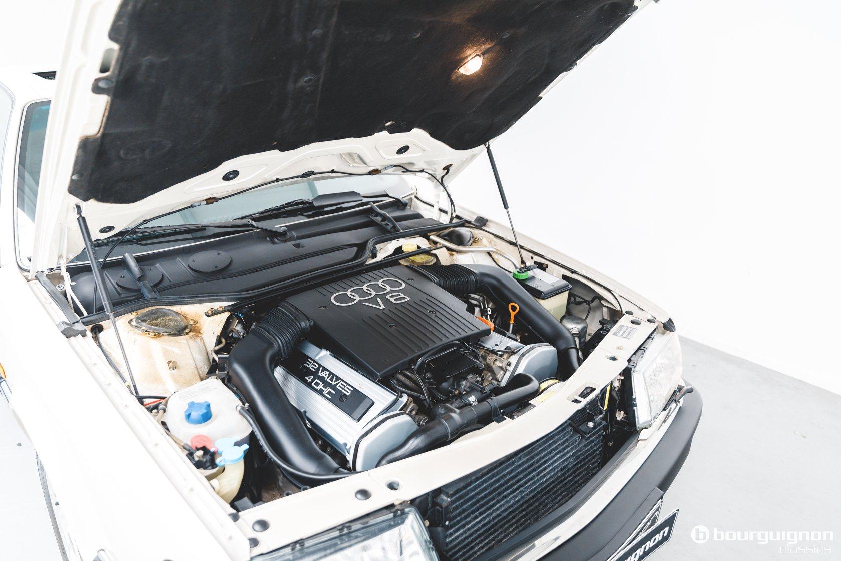 Audi-V8-1990-for-sale-23