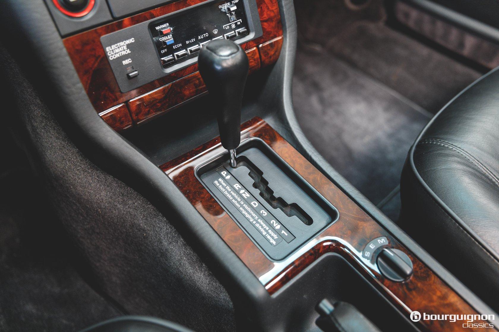 Audi-V8-1990-for-sale-24