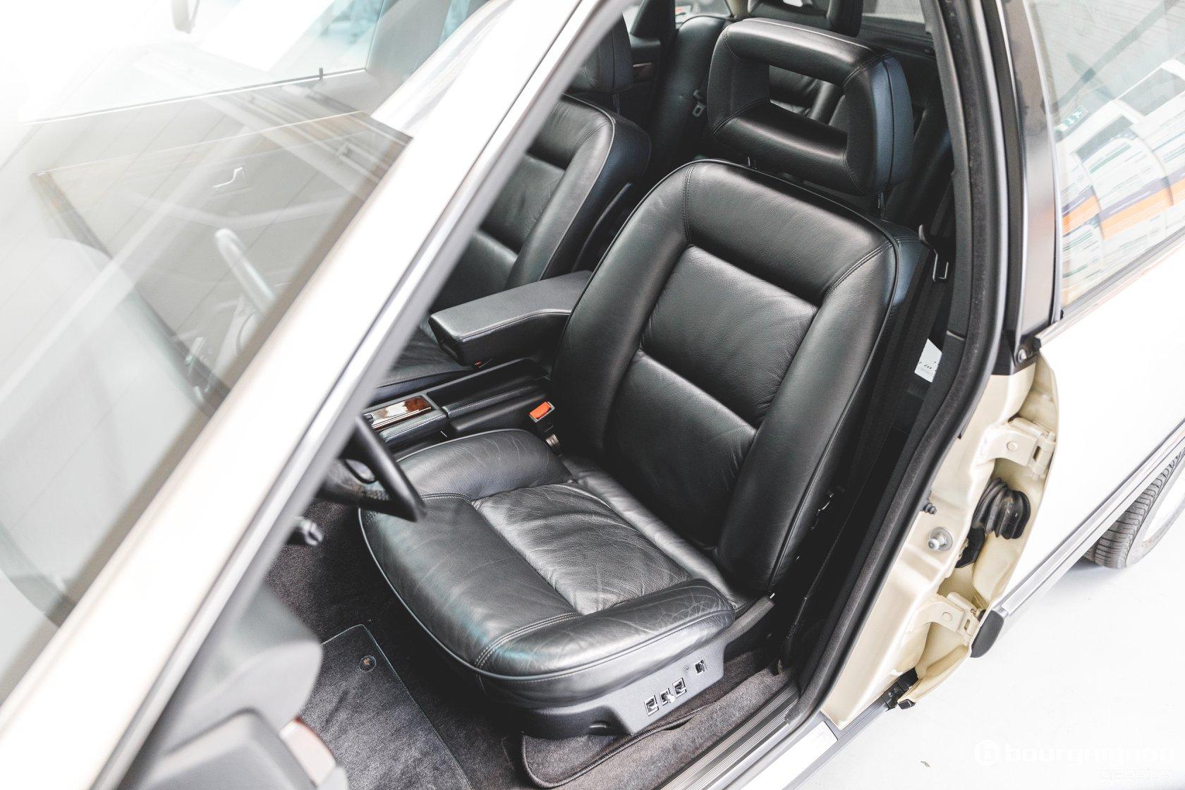 Audi-V8-1990-for-sale-34