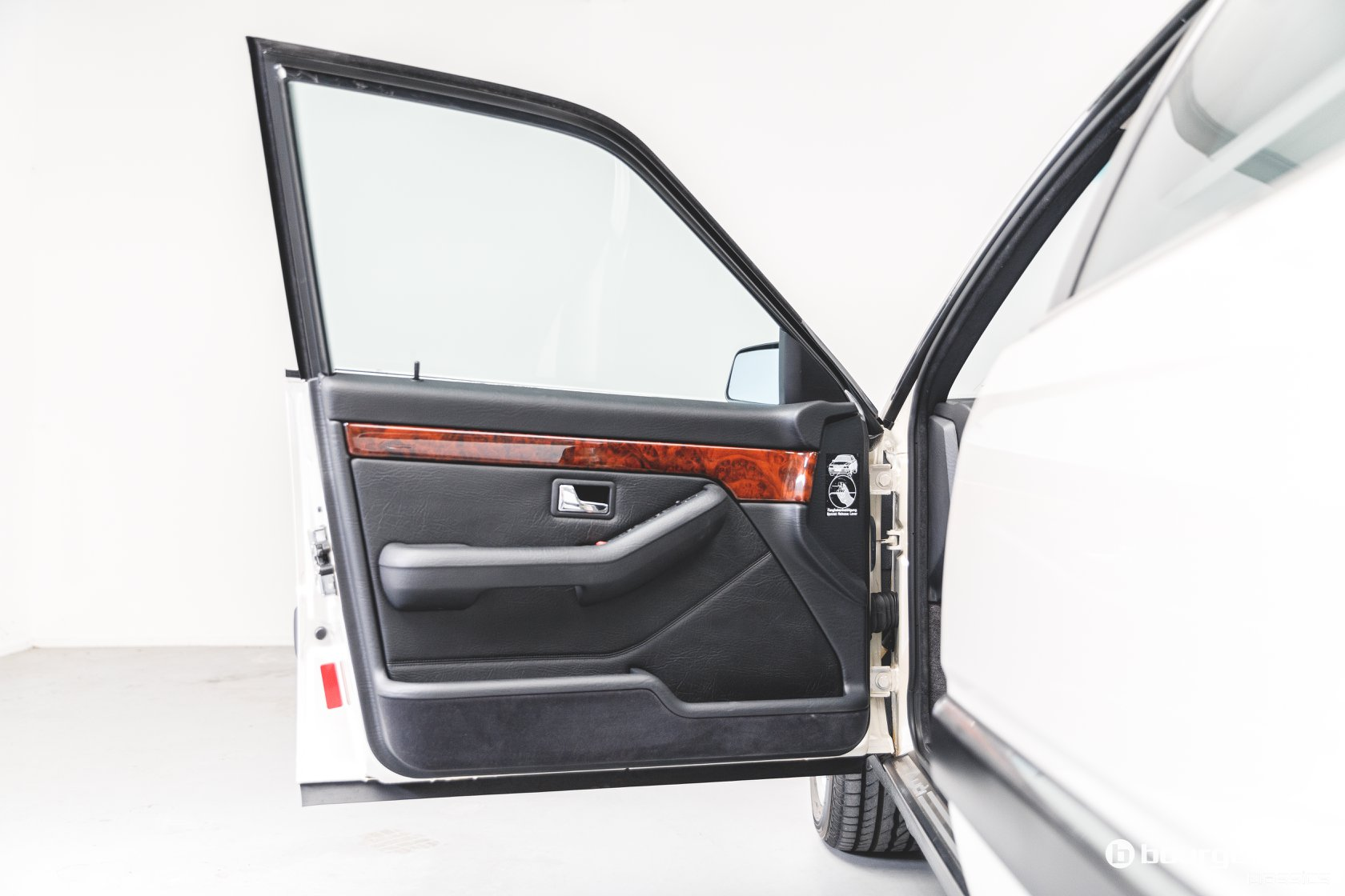 Audi-V8-1990-for-sale-38