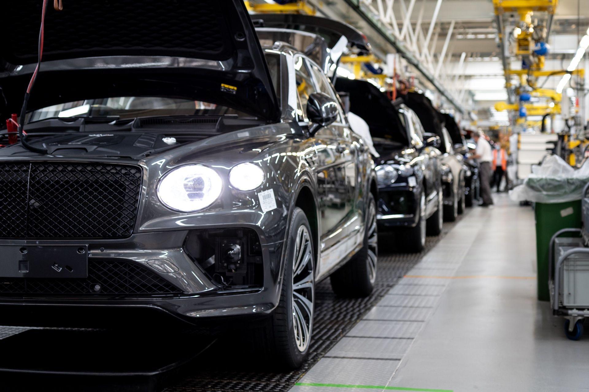 Bentley_Bentayga_production_0000