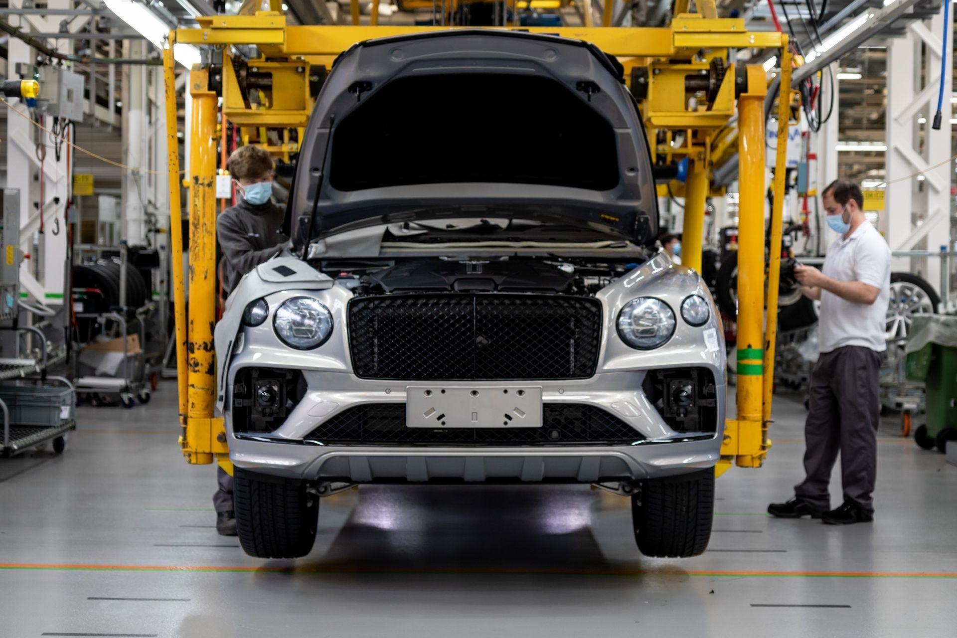 Bentley_Bentayga_production_0002