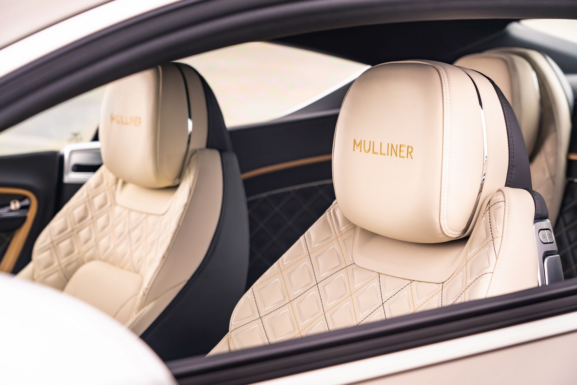 Bentley-Continental-GT-Mulliner-10