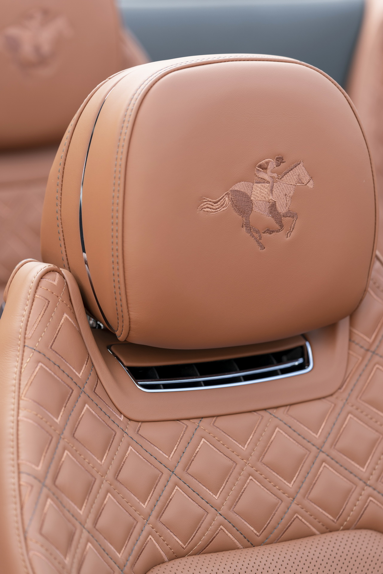Bentley-Continental-GTC-Equestrian-Edition-7