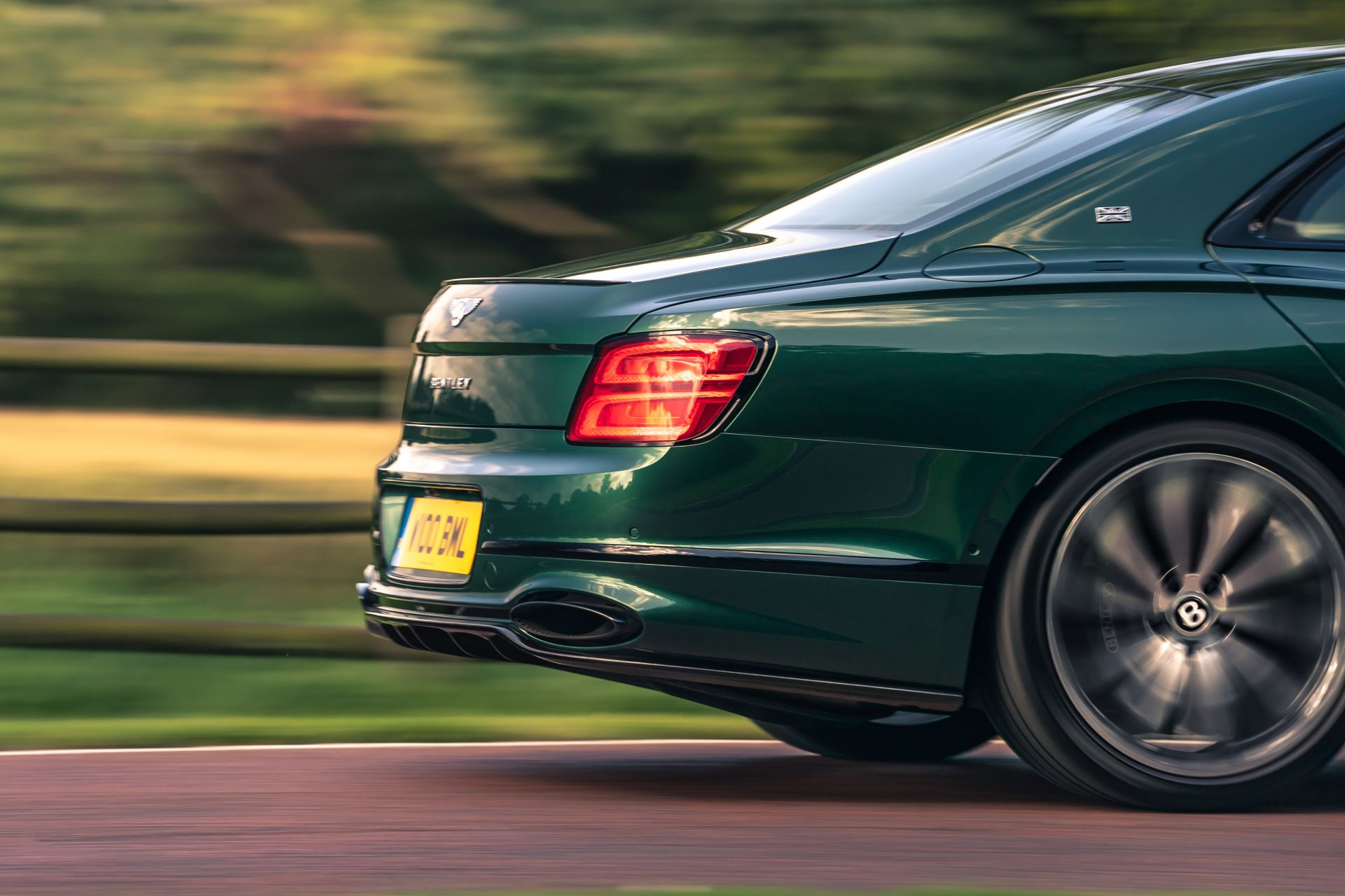 Bentley-Flying-Spur-Styling-Specification-5
