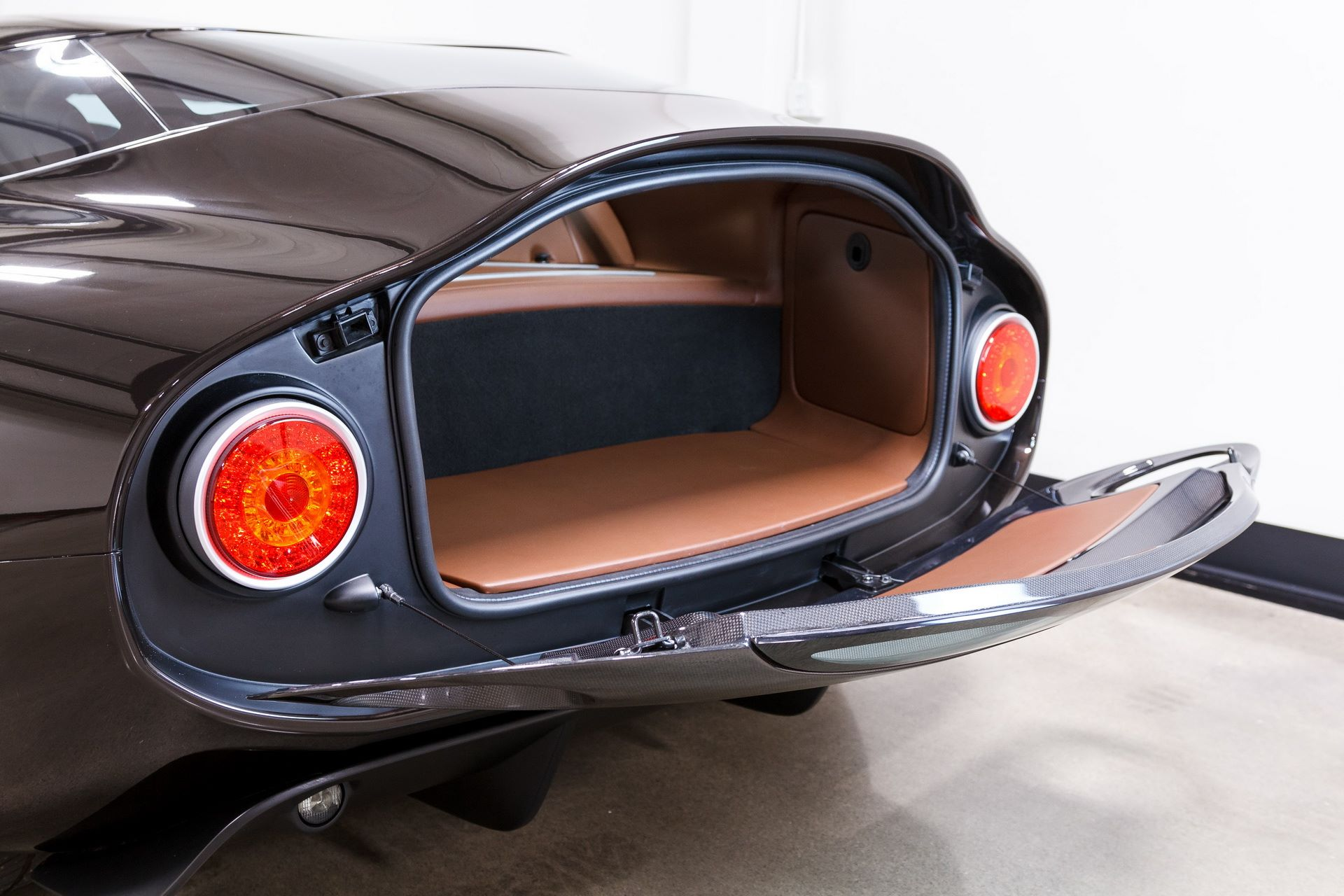 Black-Alfa-Romeo-TZ3-Stradale-Zagato-for-sale-14