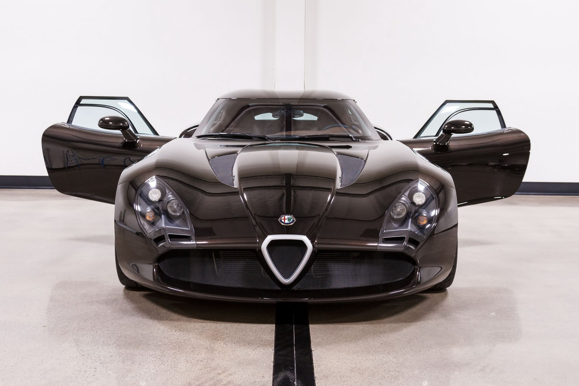 Black-Alfa-Romeo-TZ3-Stradale-Zagato-for-sale-20