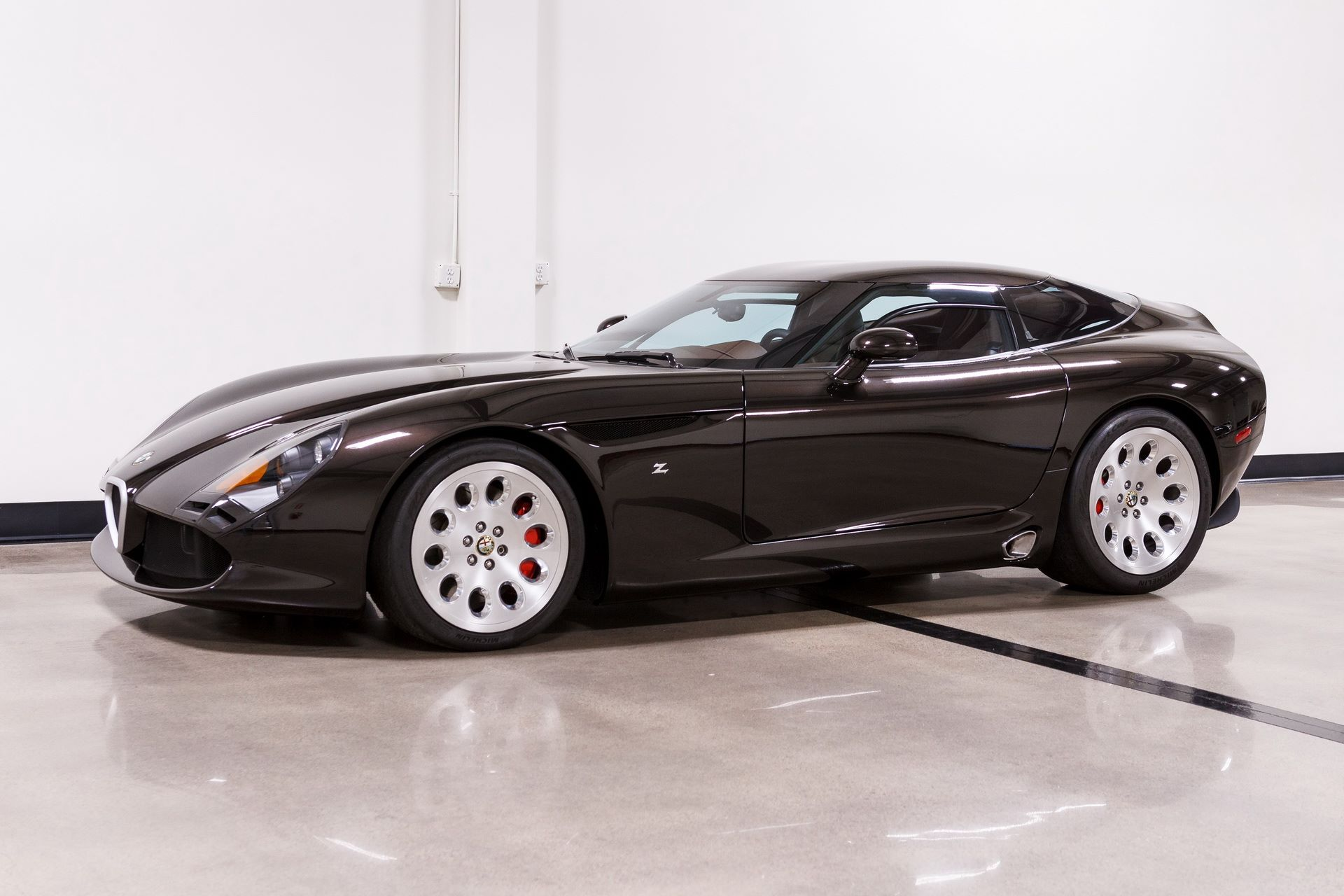 Black-Alfa-Romeo-TZ3-Stradale-Zagato-for-sale-4