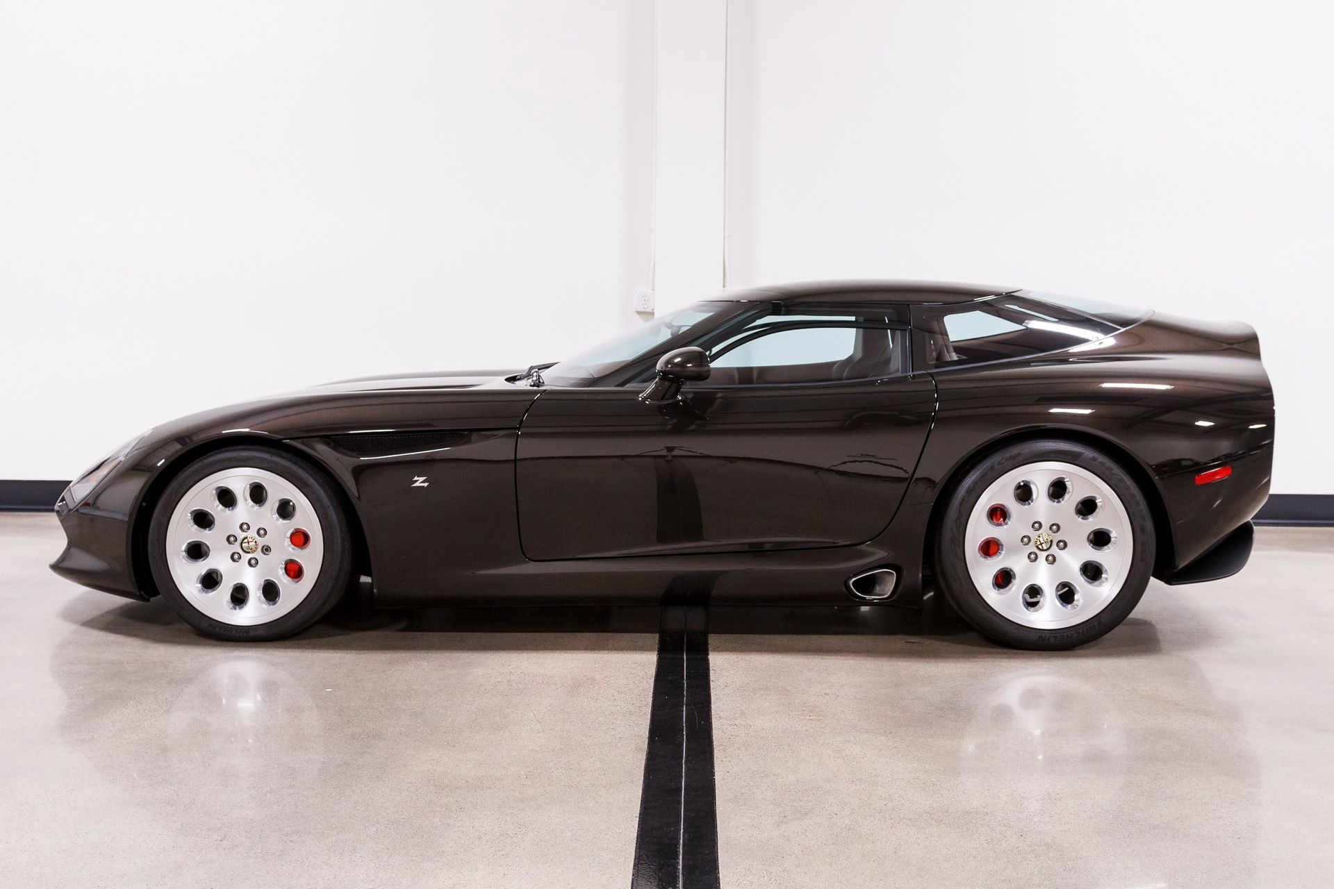 Black-Alfa-Romeo-TZ3-Stradale-Zagato-for-sale-5