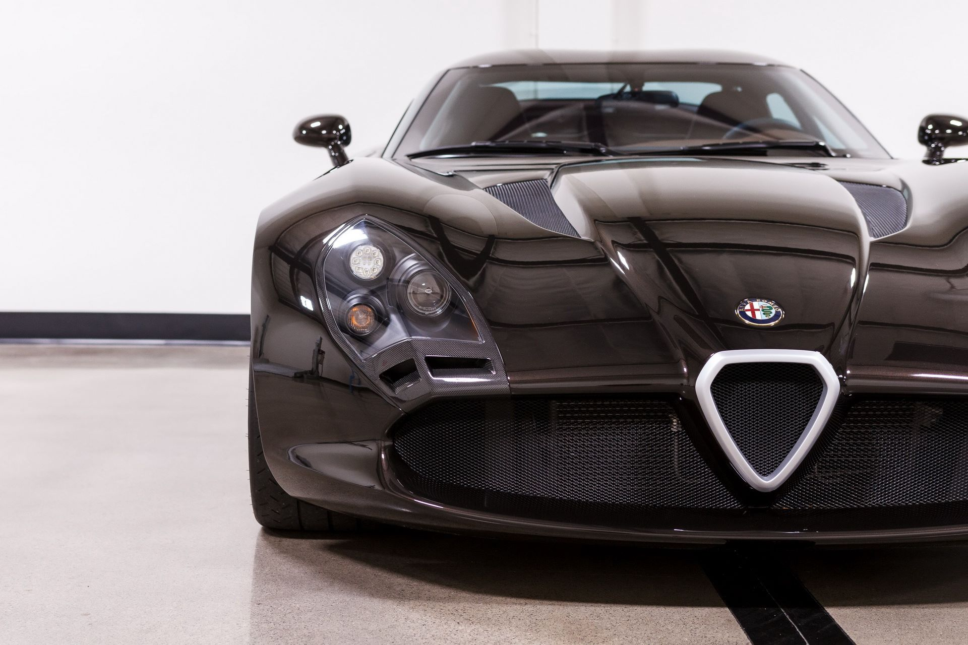 Black-Alfa-Romeo-TZ3-Stradale-Zagato-for-sale-8
