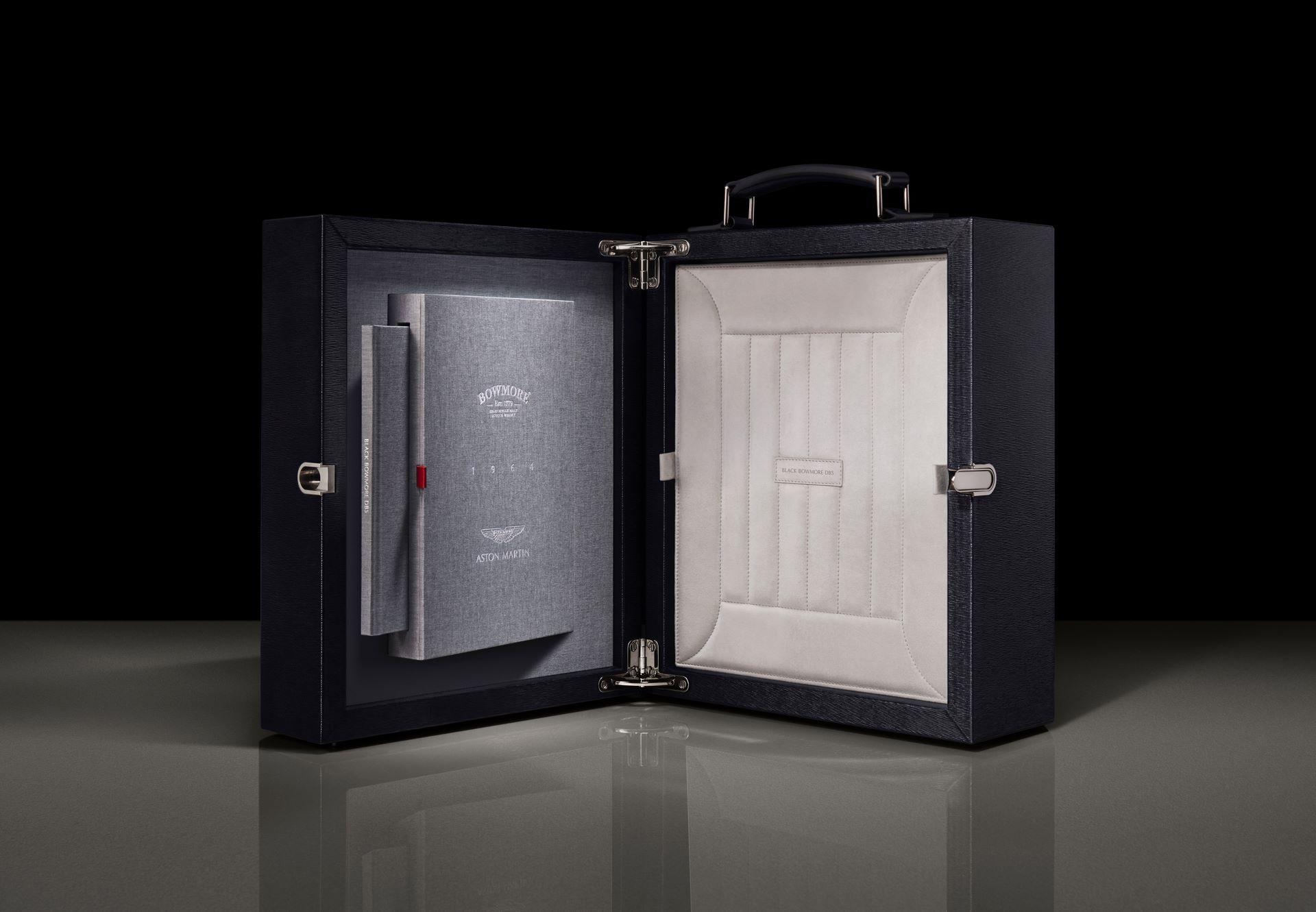 Black-Bowmore-Aston-Martin-DB5-1964-Whisky-1
