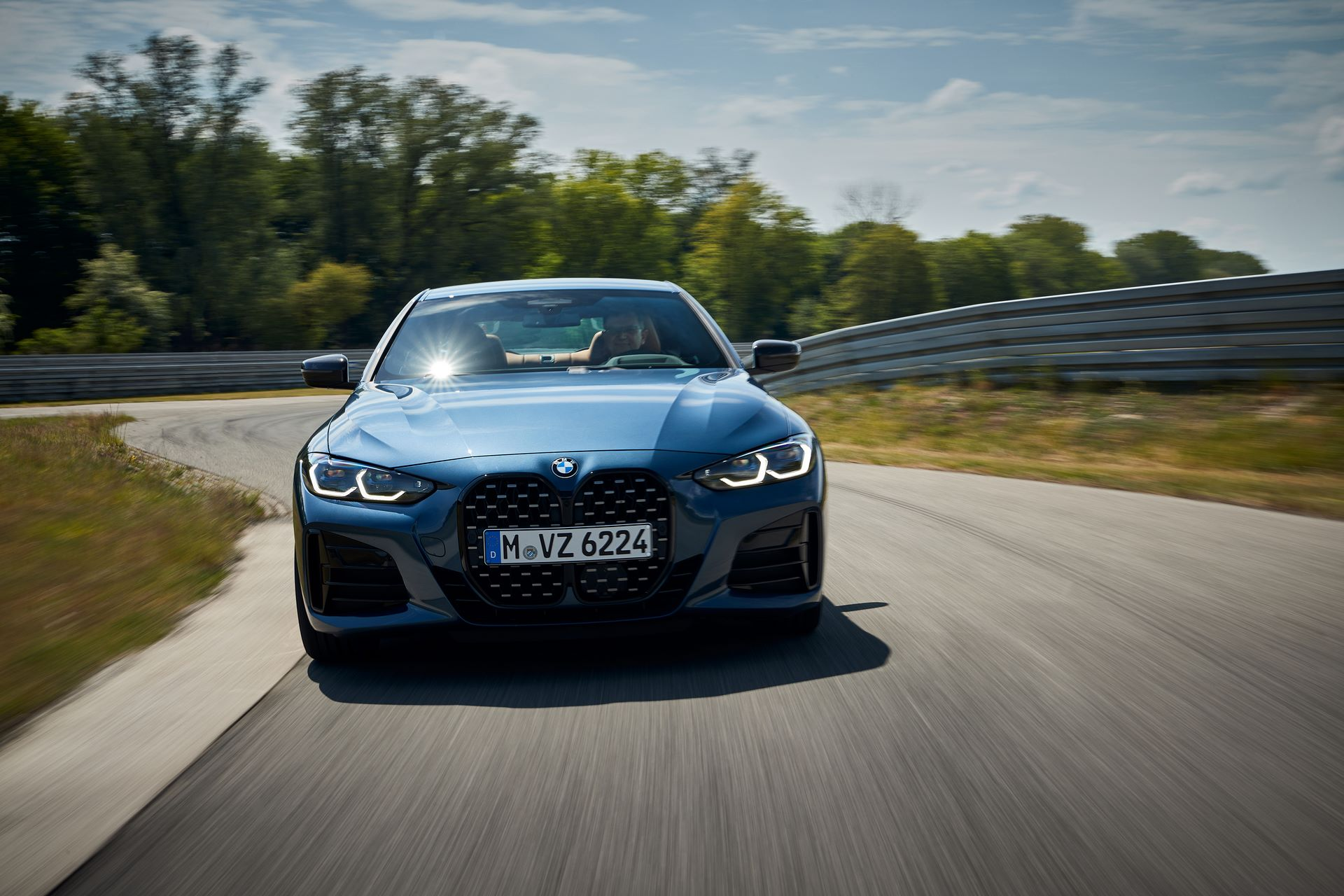 BMW-4-Series-2020-live-11