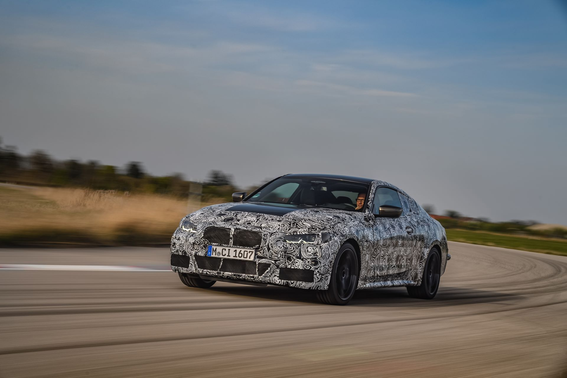 BMW-4-Series-M440i-camouflaged-11