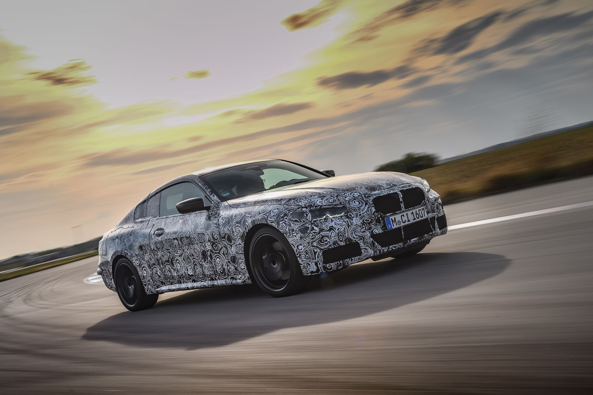 BMW-4-Series-M440i-camouflaged-2