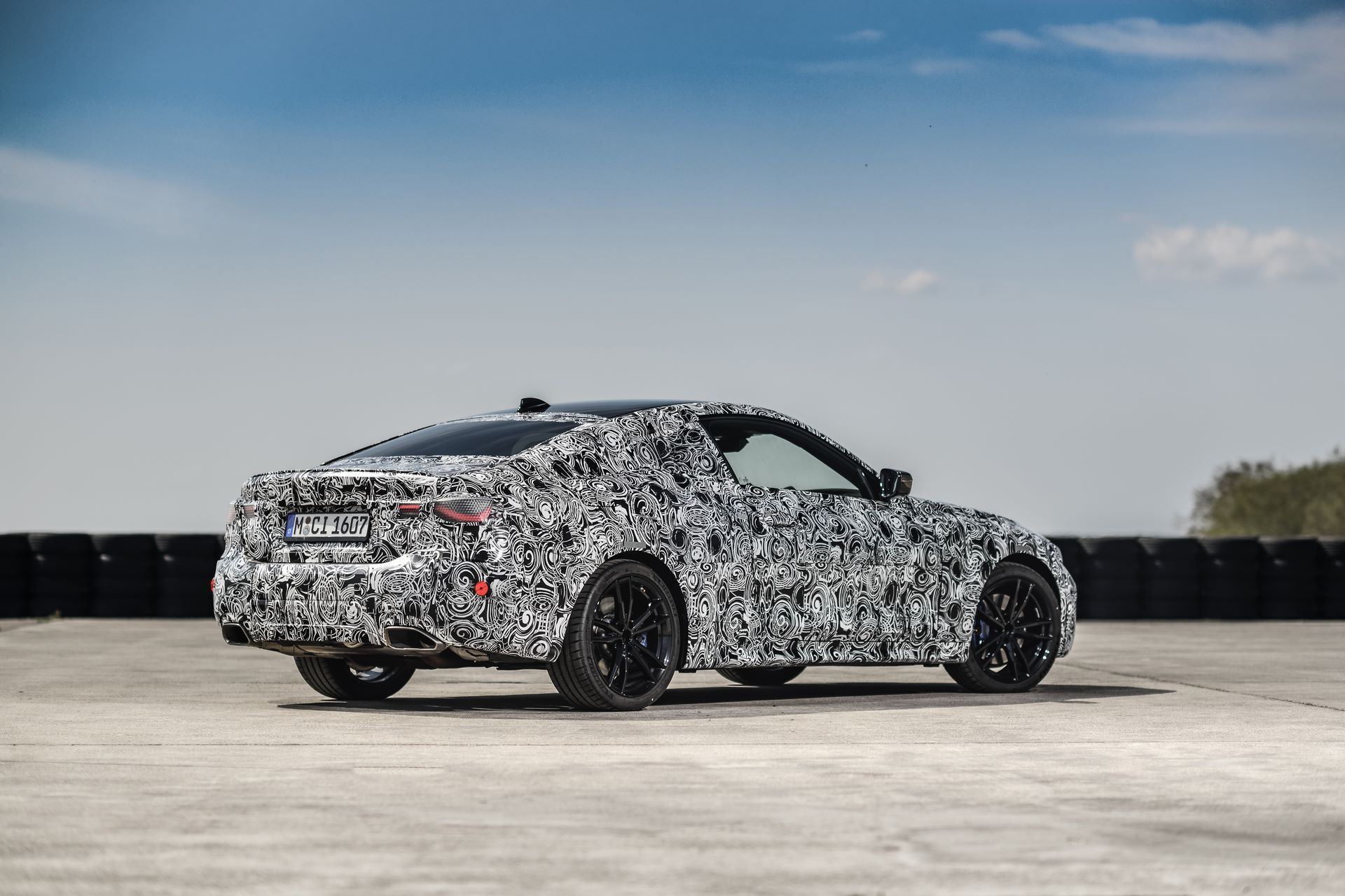 BMW-4-Series-M440i-camouflaged-34
