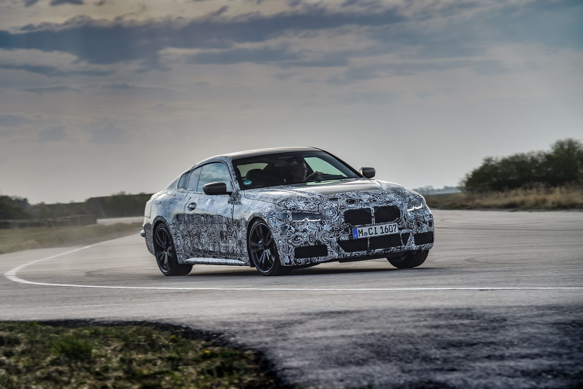 BMW-4-Series-M440i-camouflaged-4