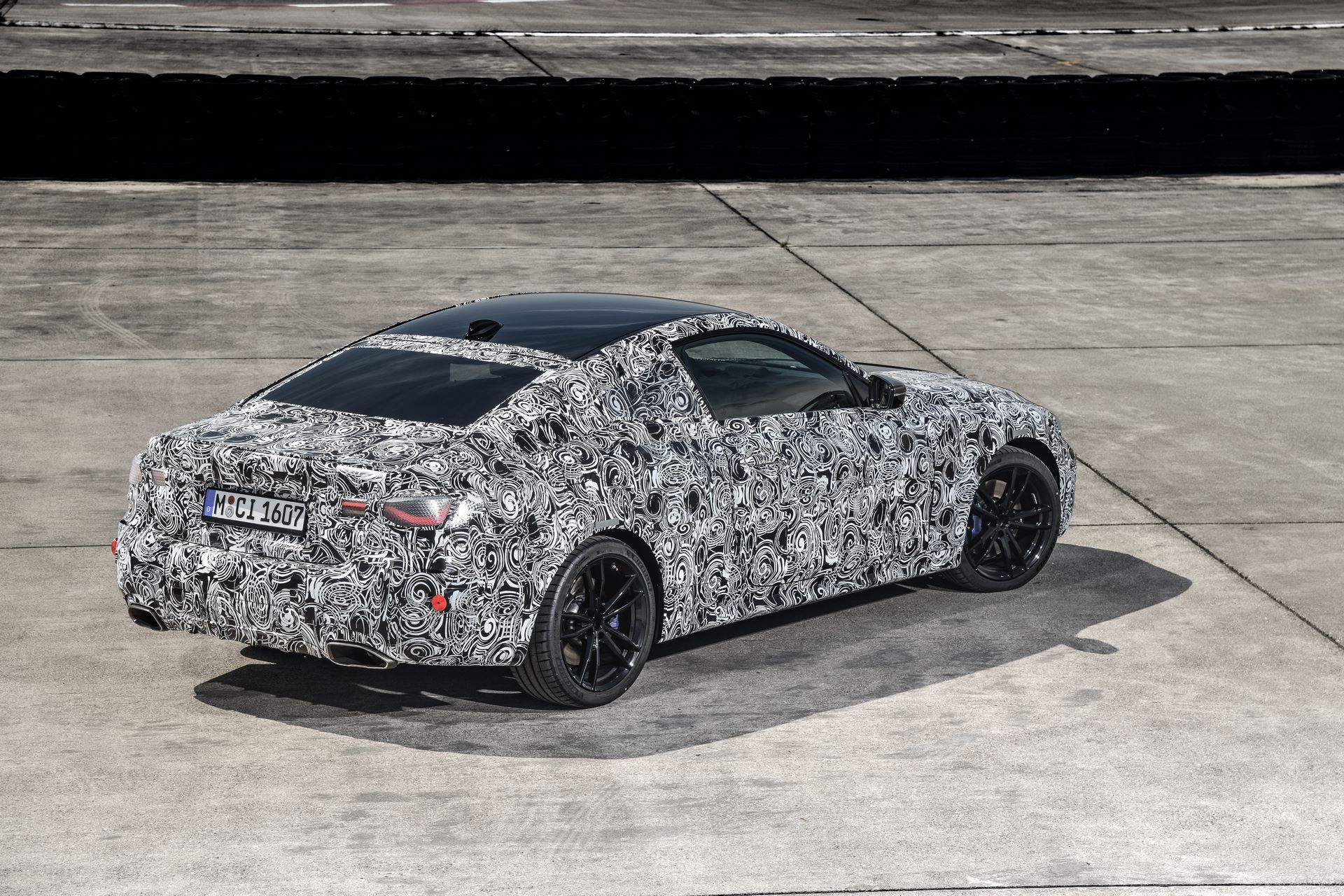 BMW-4-Series-M440i-camouflaged-40
