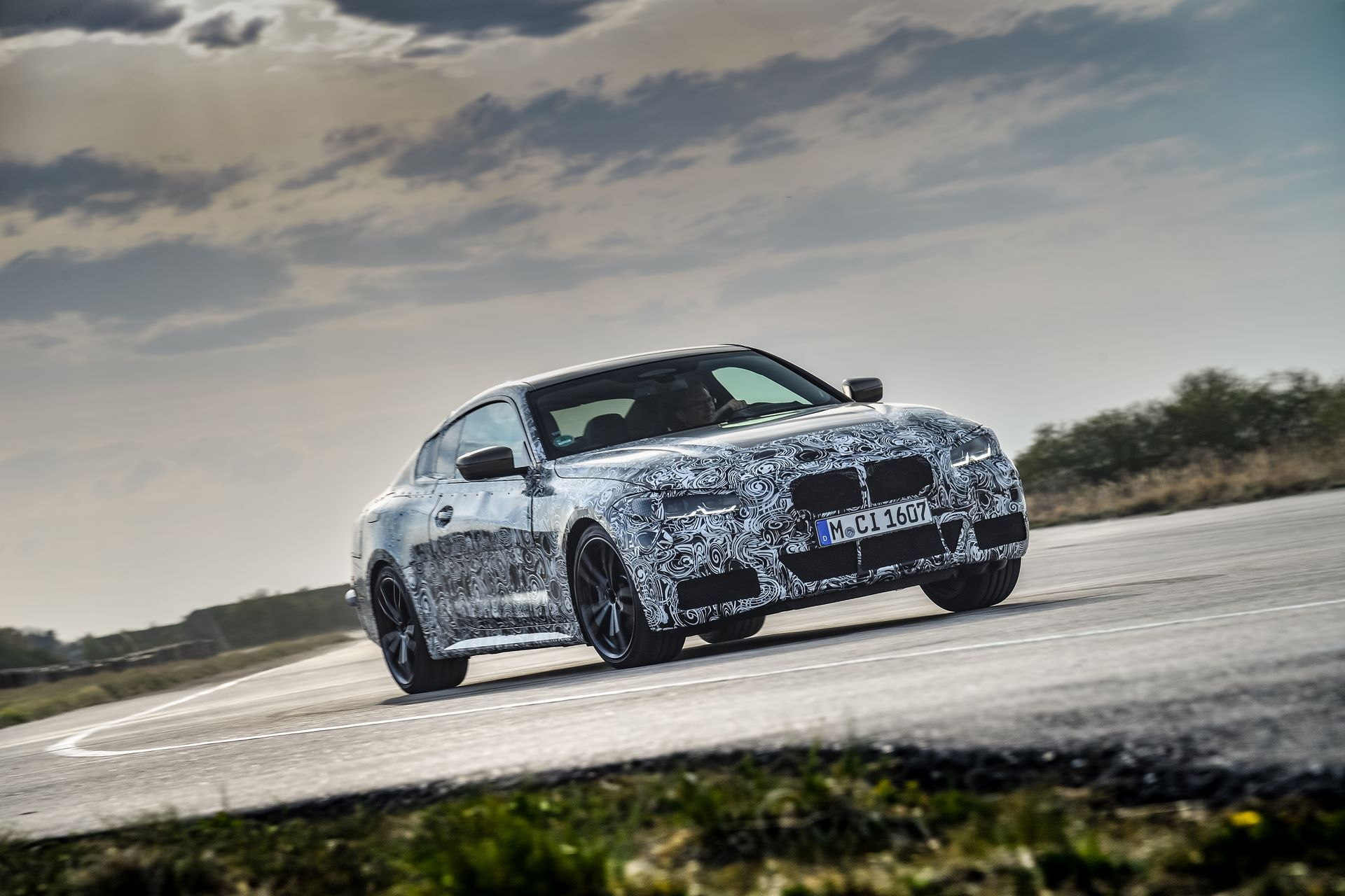BMW-4-Series-M440i-camouflaged-5