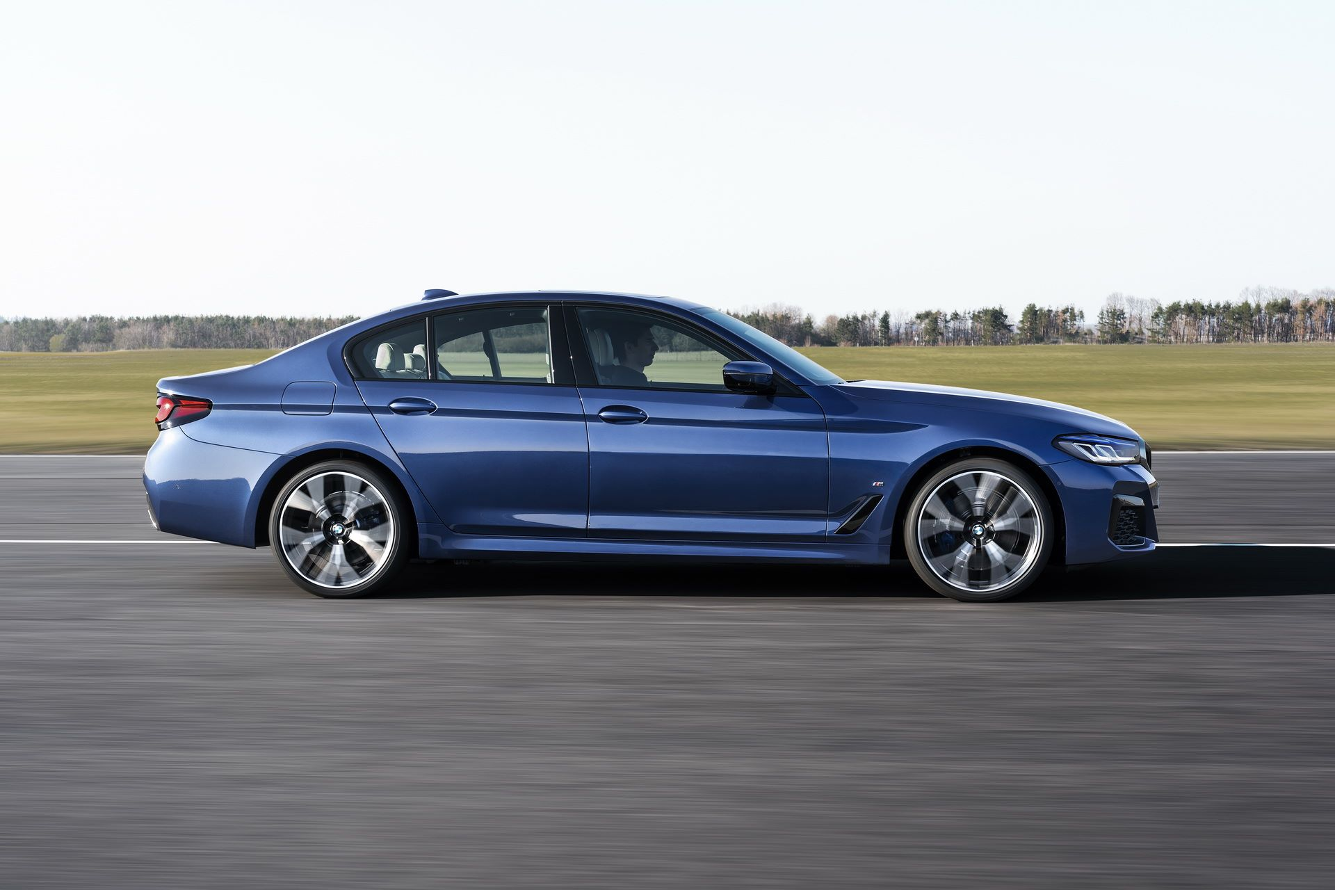 BMW-5-Series-facelift-2021-19