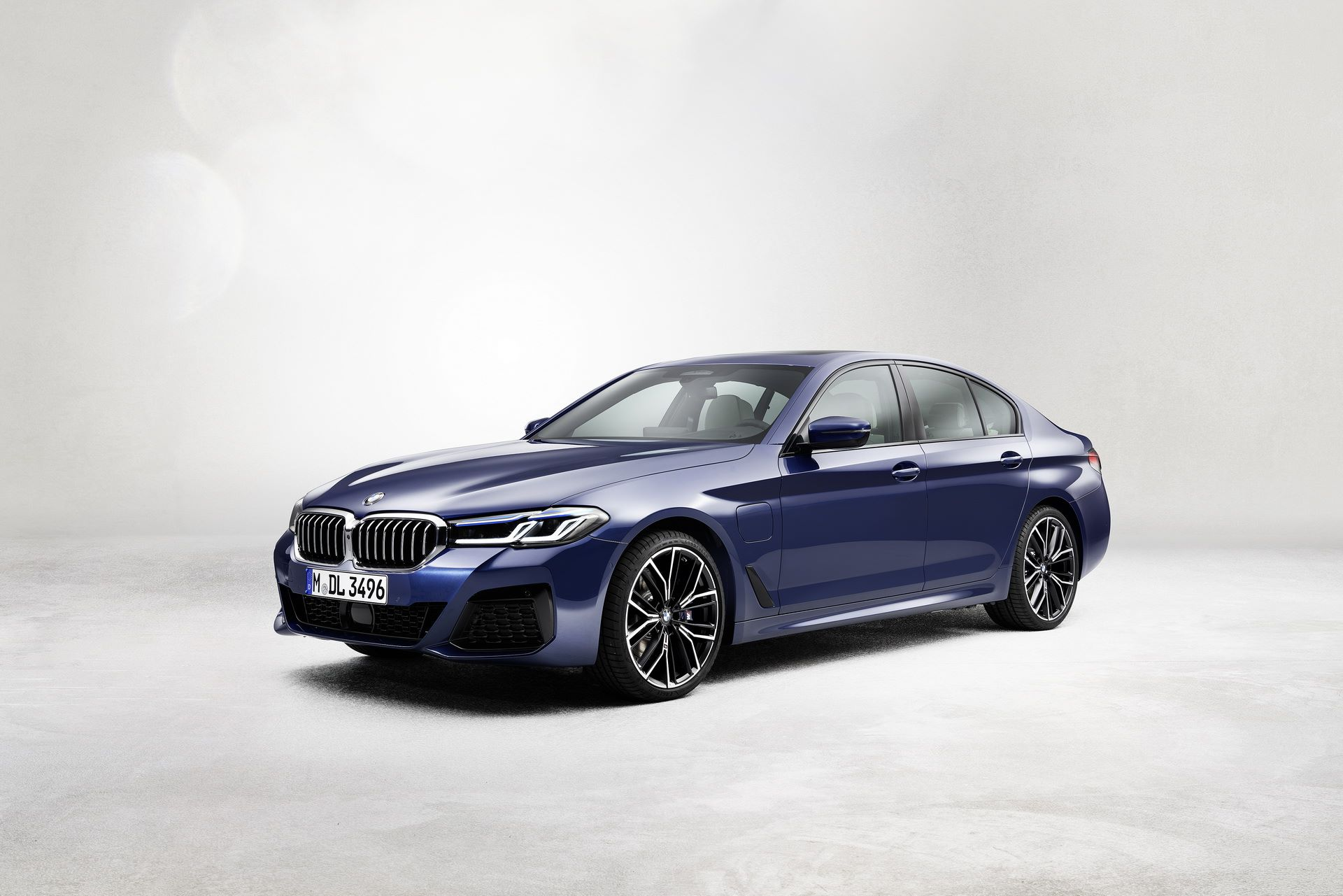 BMW-5-Series-facelift-2021-24