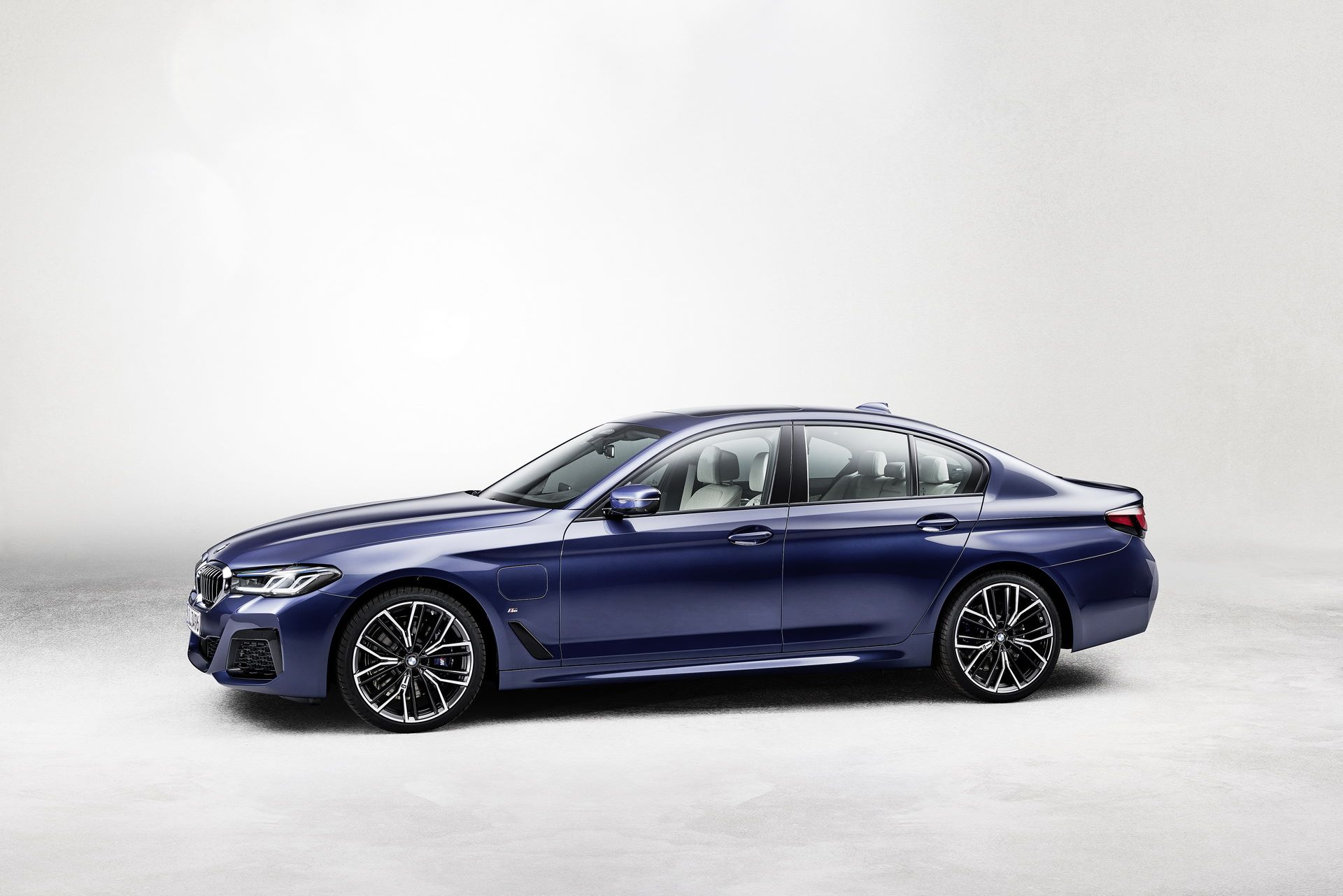 BMW-5-Series-facelift-2021-25