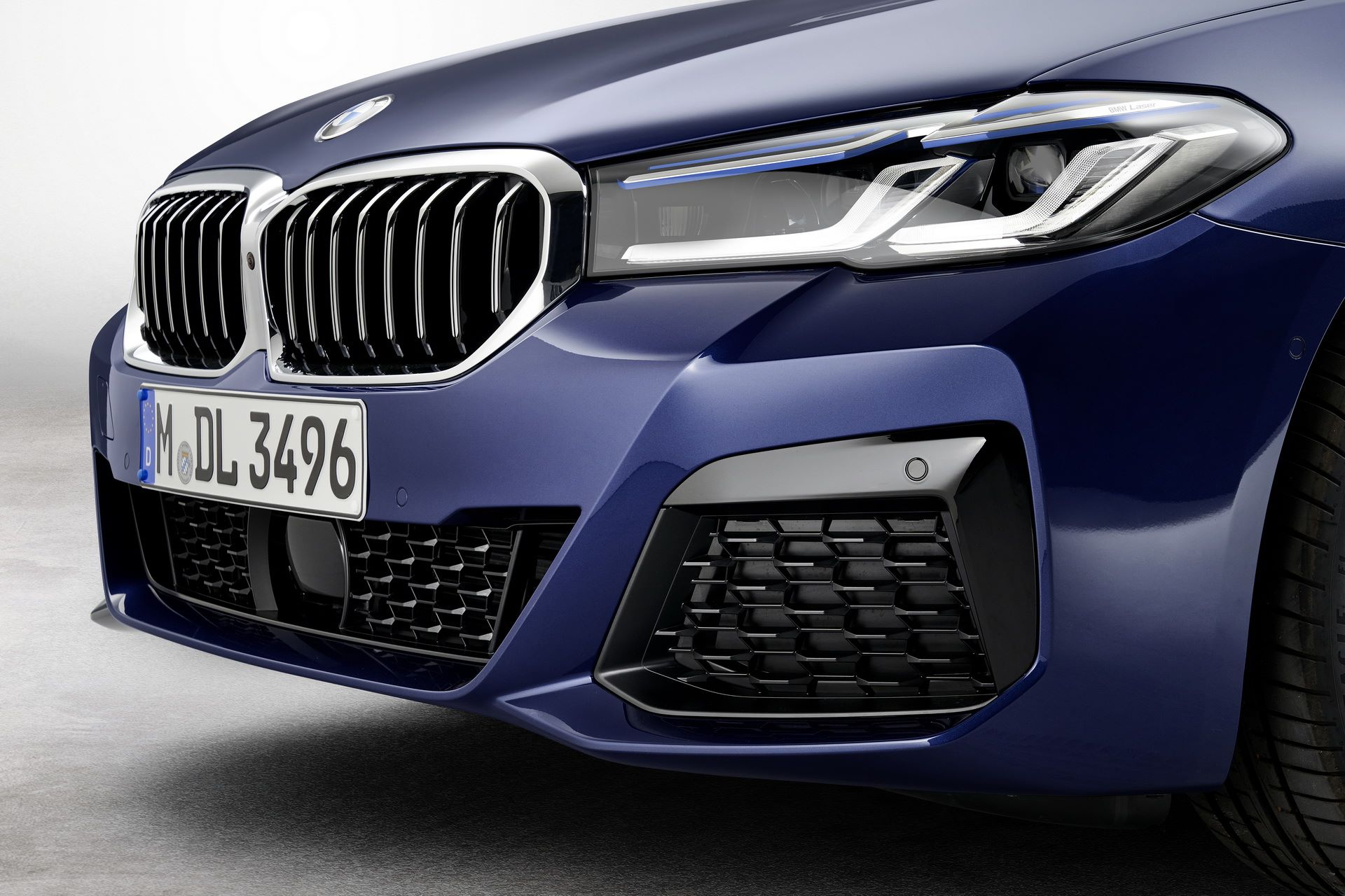 BMW-5-Series-facelift-2021-31