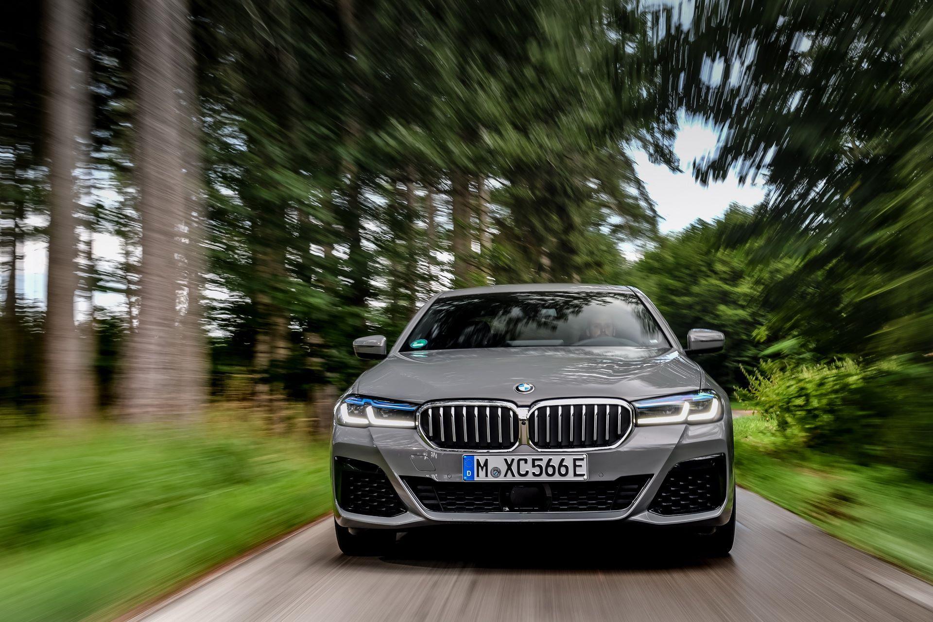 BMW-545e-xDrive-18