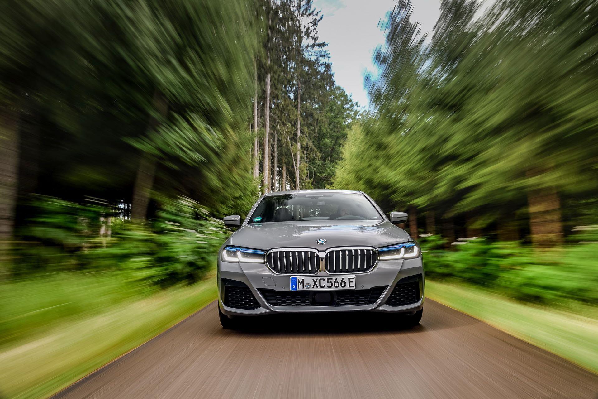 BMW-545e-xDrive-19