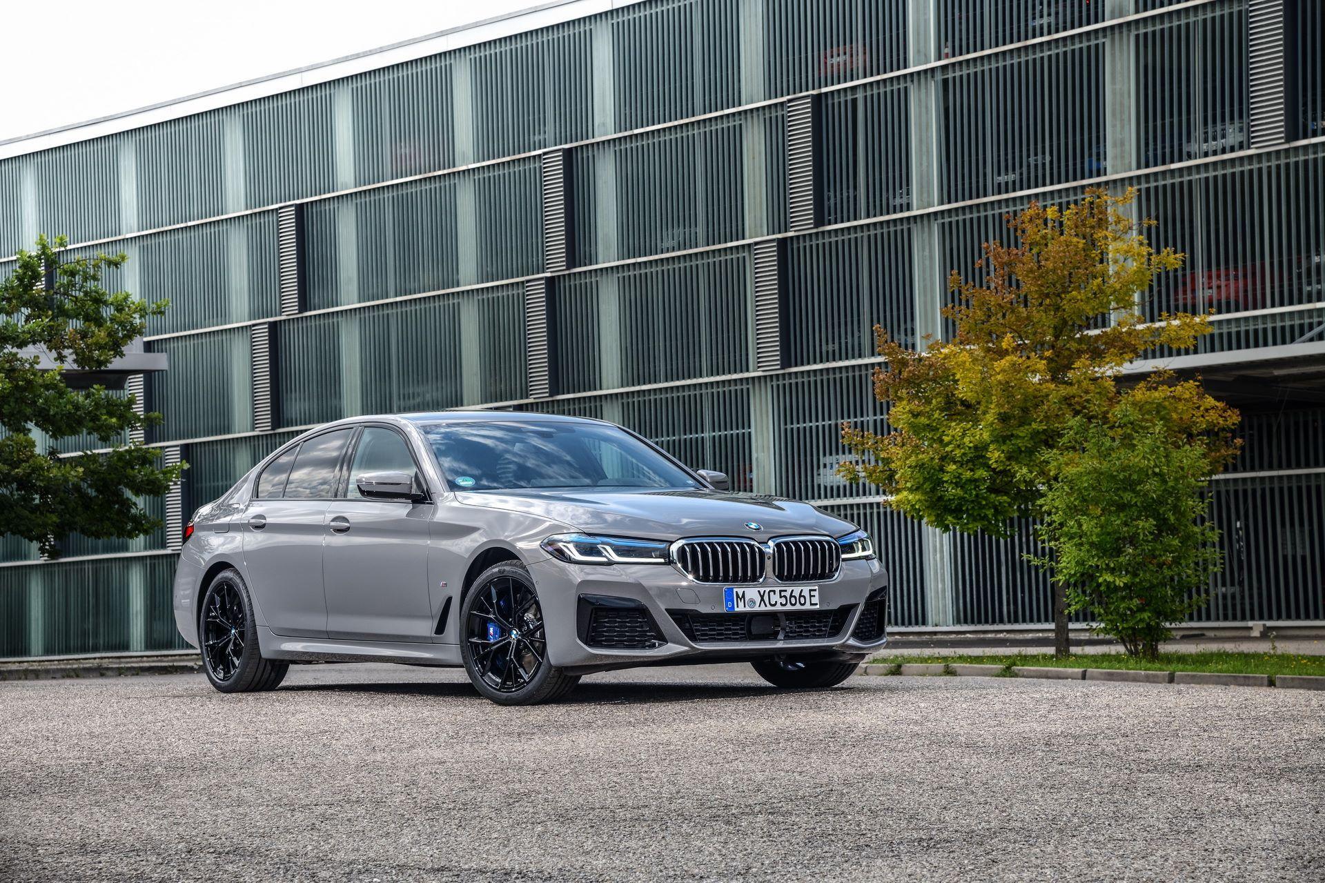BMW-545e-xDrive-2