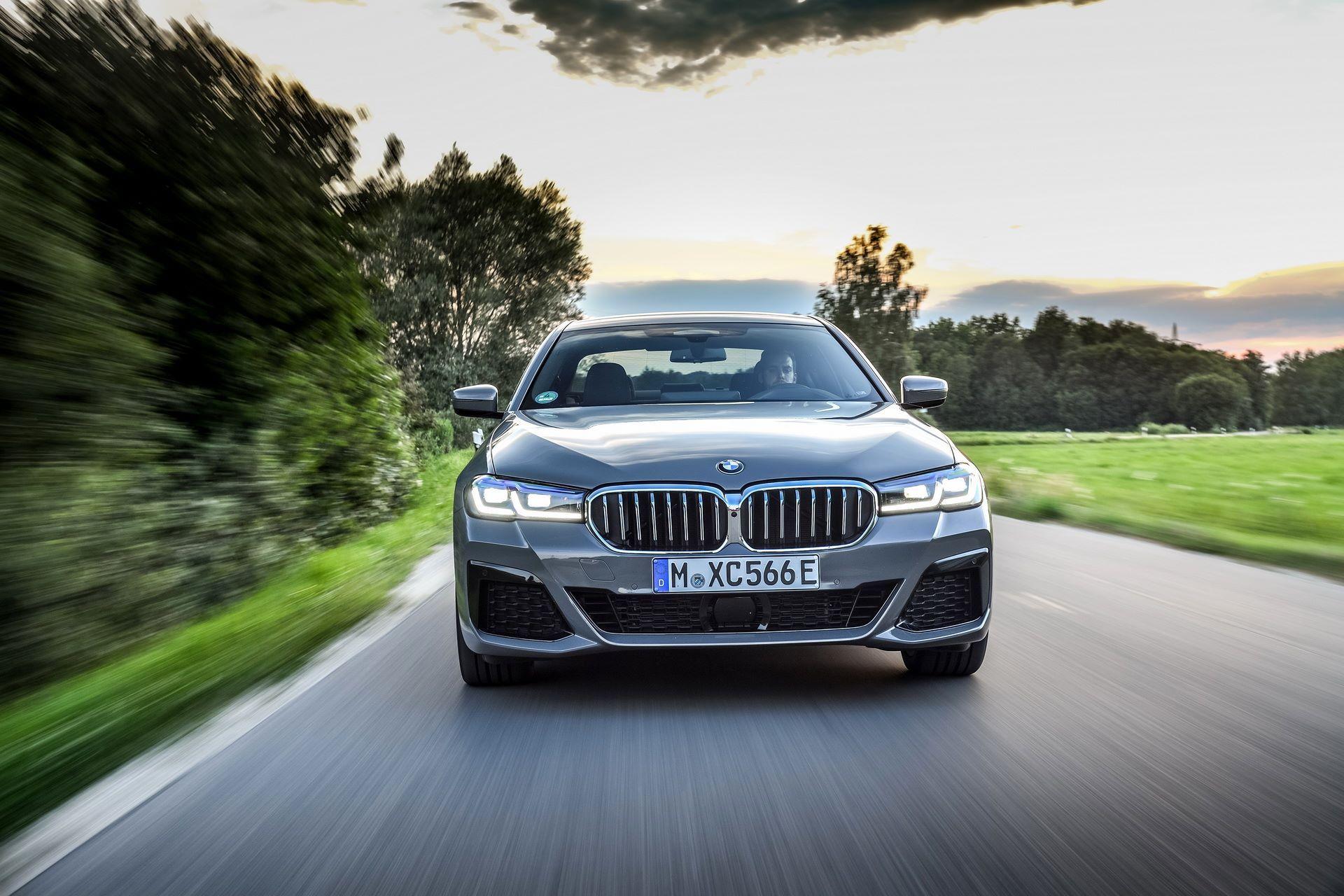 BMW-545e-xDrive-22