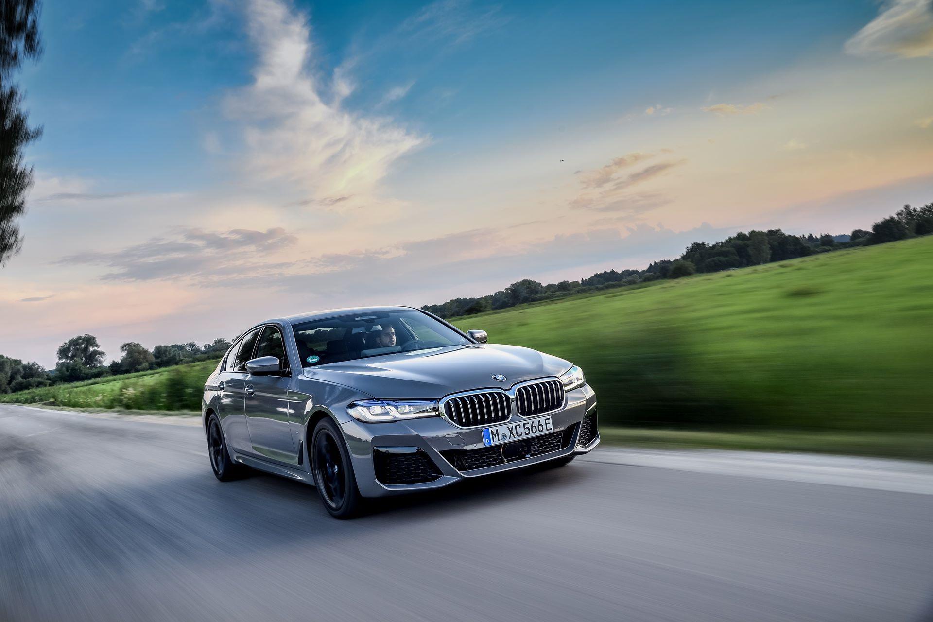 BMW-545e-xDrive-24