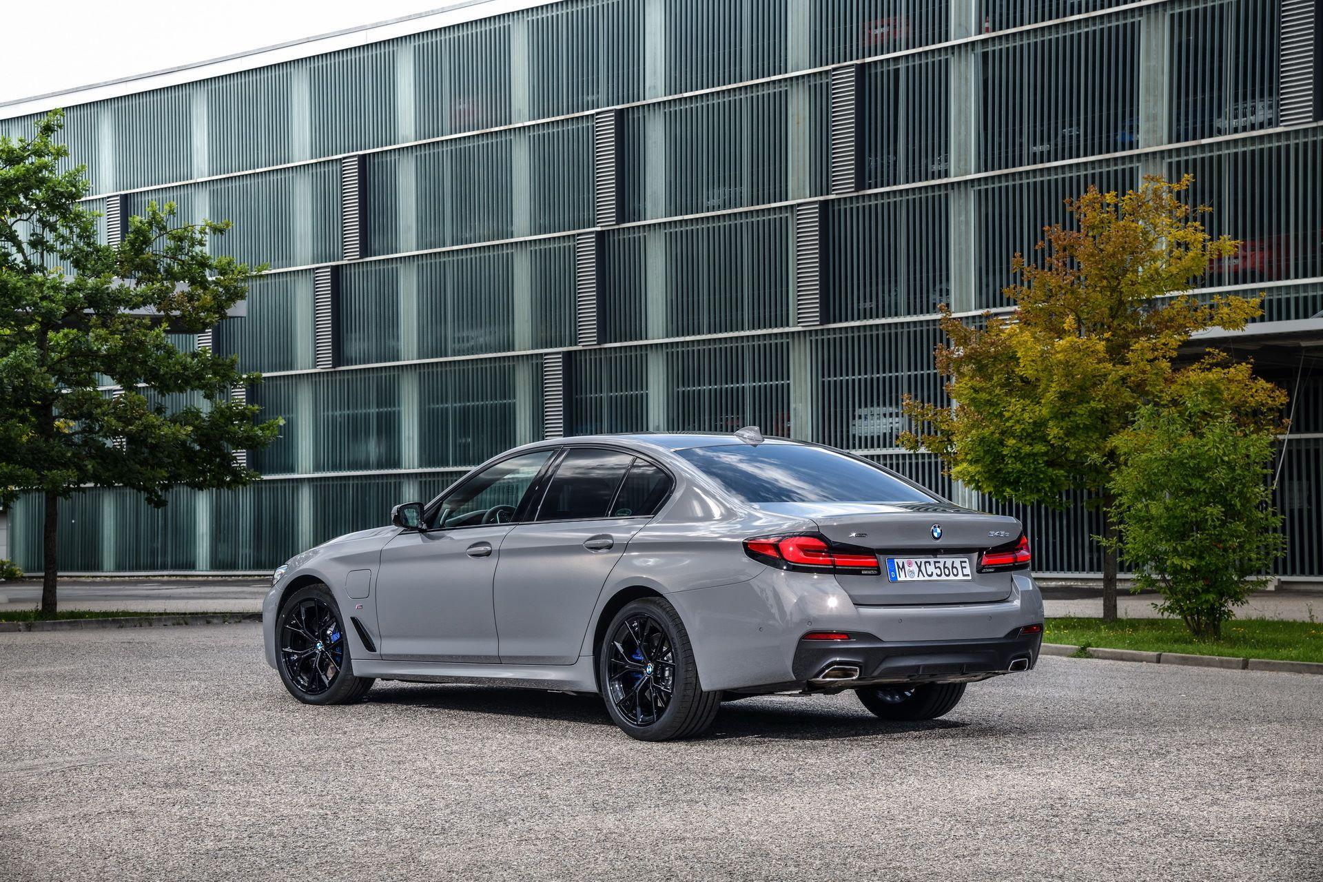BMW-545e-xDrive-3