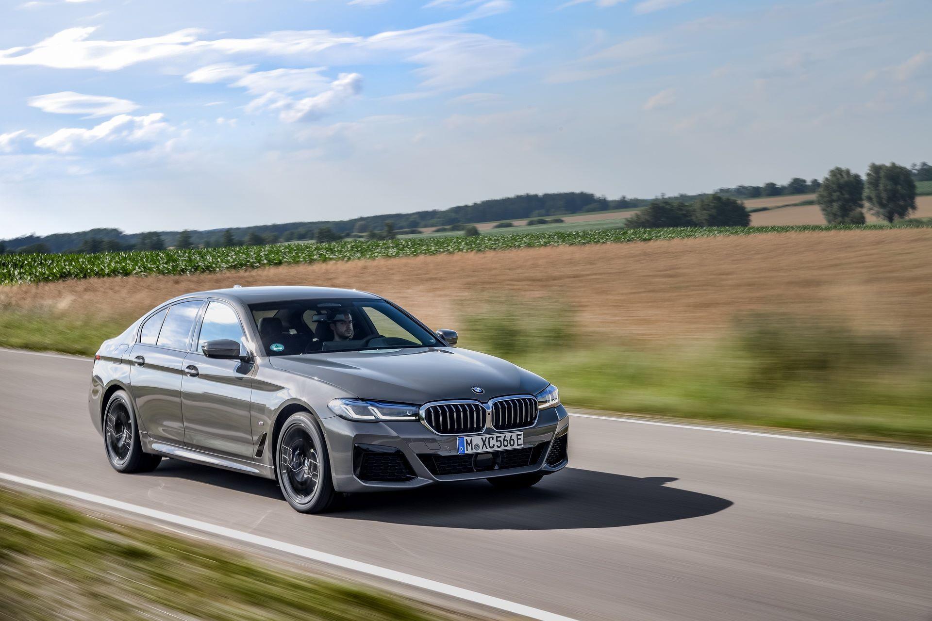 BMW-545e-xDrive-31