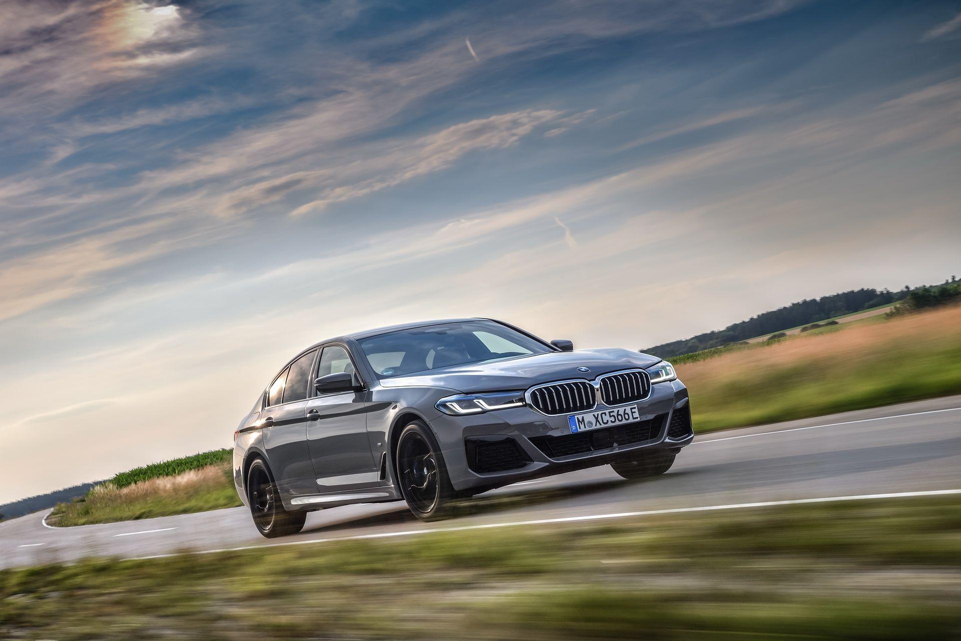 BMW-545e-xDrive-33