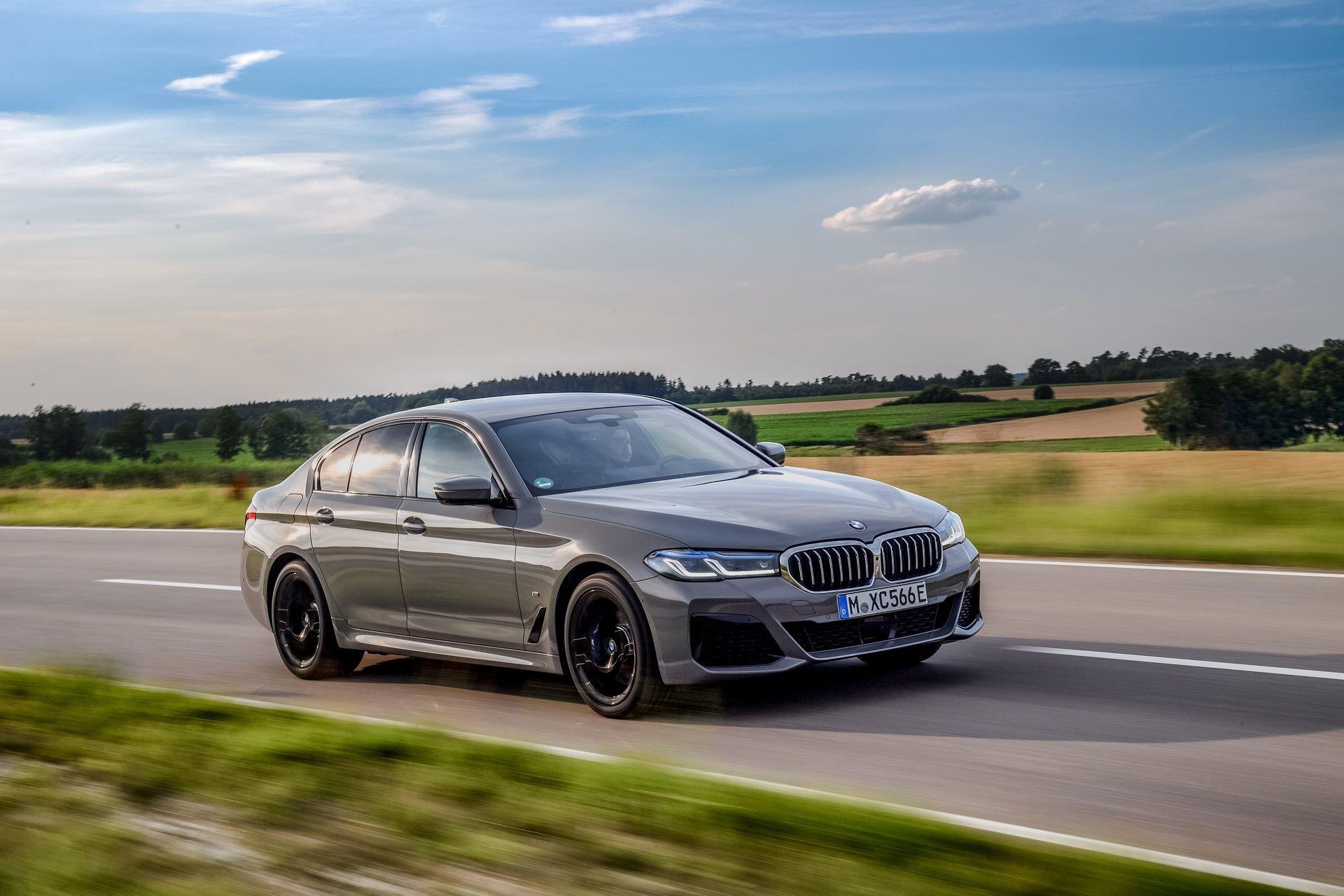 BMW-545e-xDrive-37