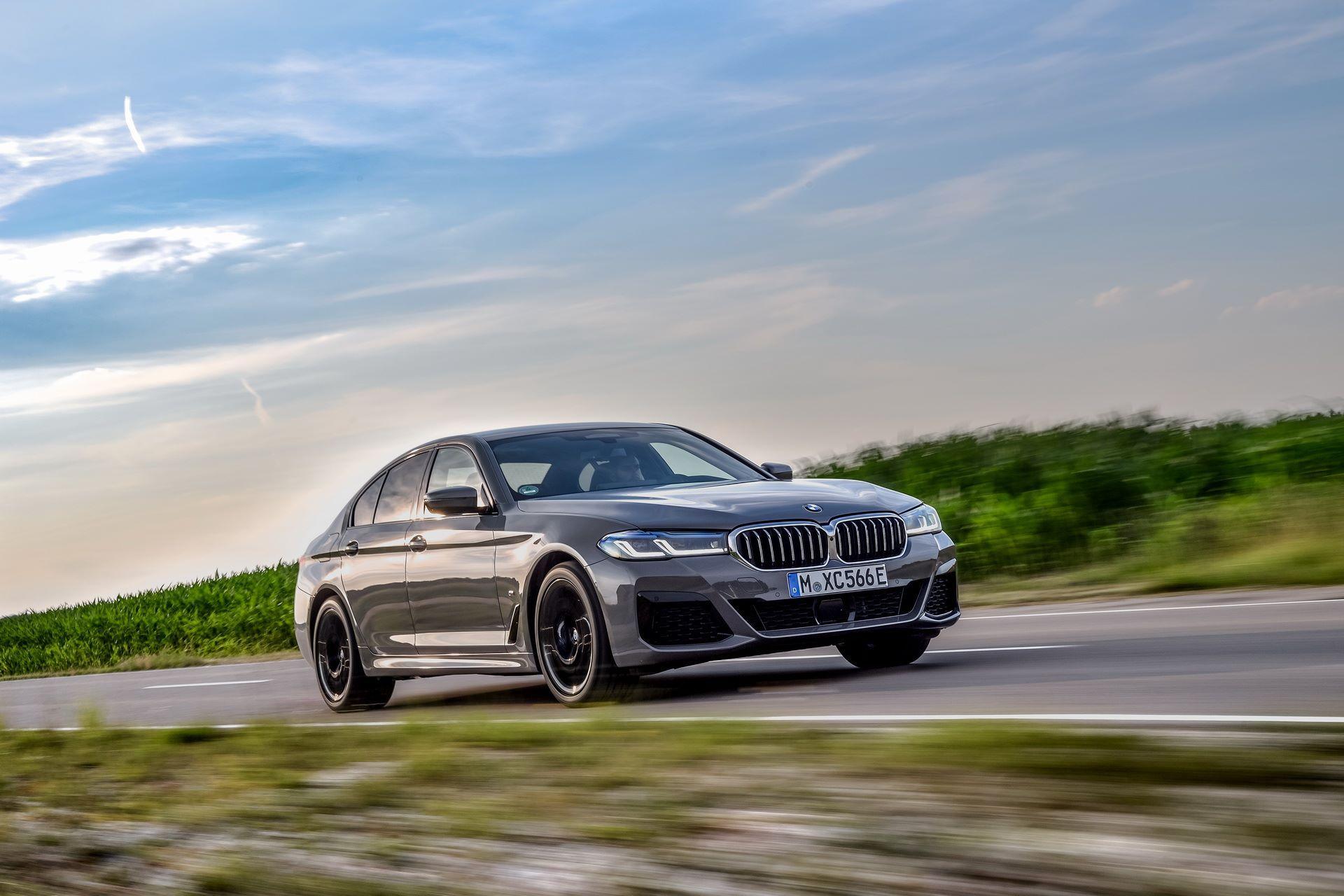 BMW-545e-xDrive-39