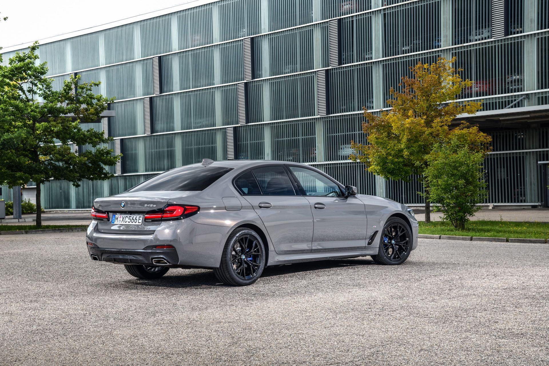 BMW-545e-xDrive-4