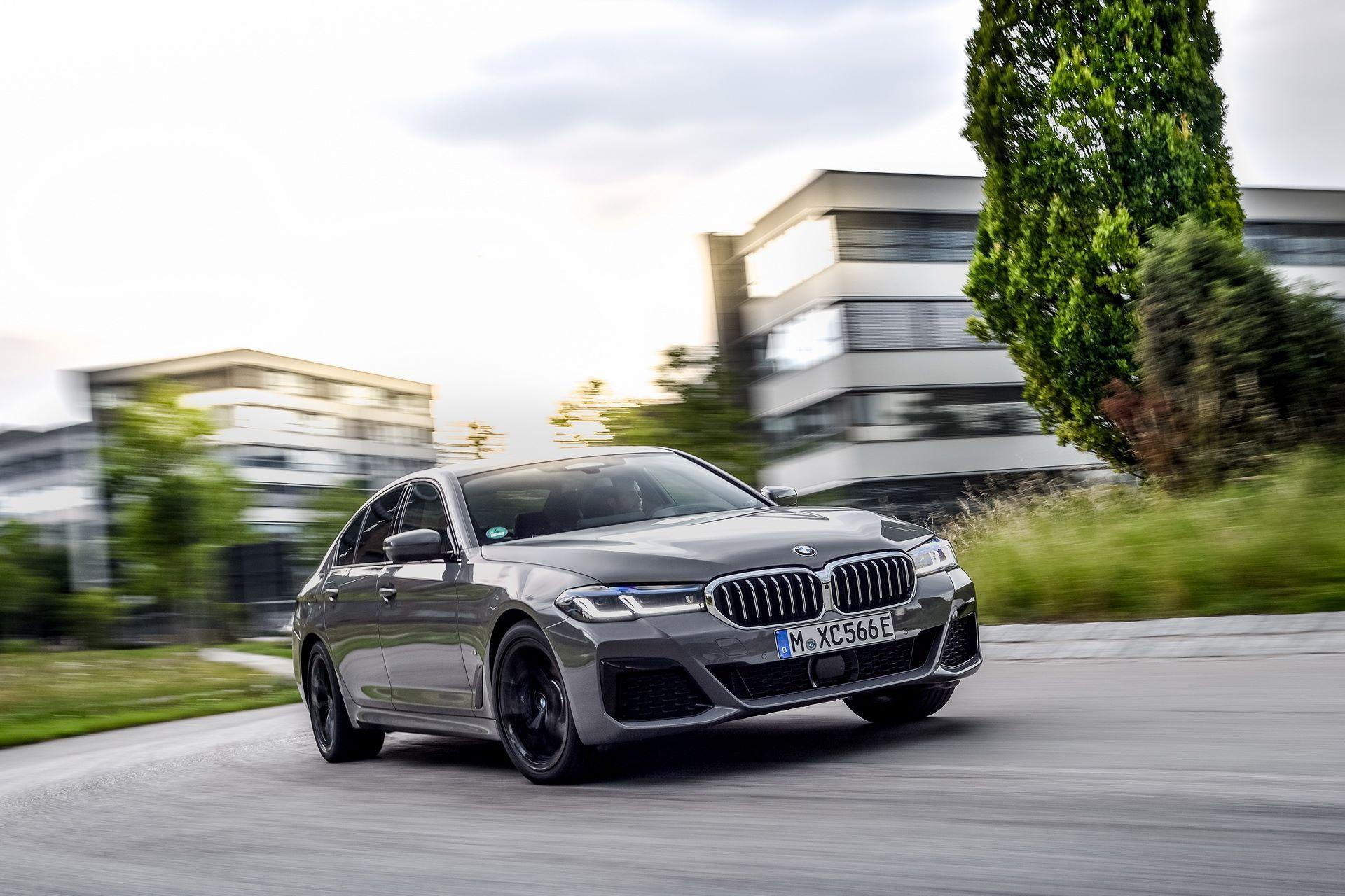 BMW-545e-xDrive-43