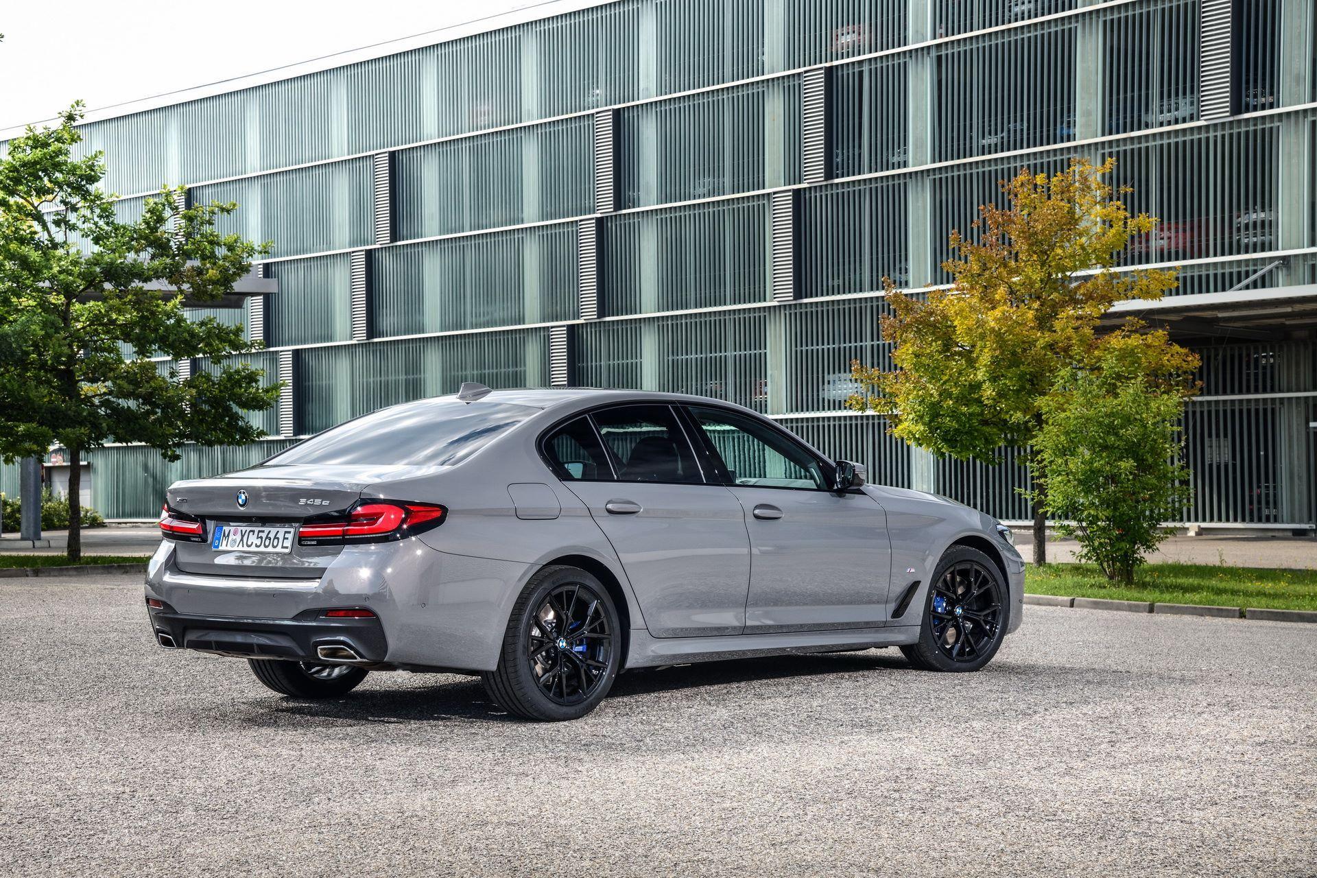 BMW-545e-xDrive-5