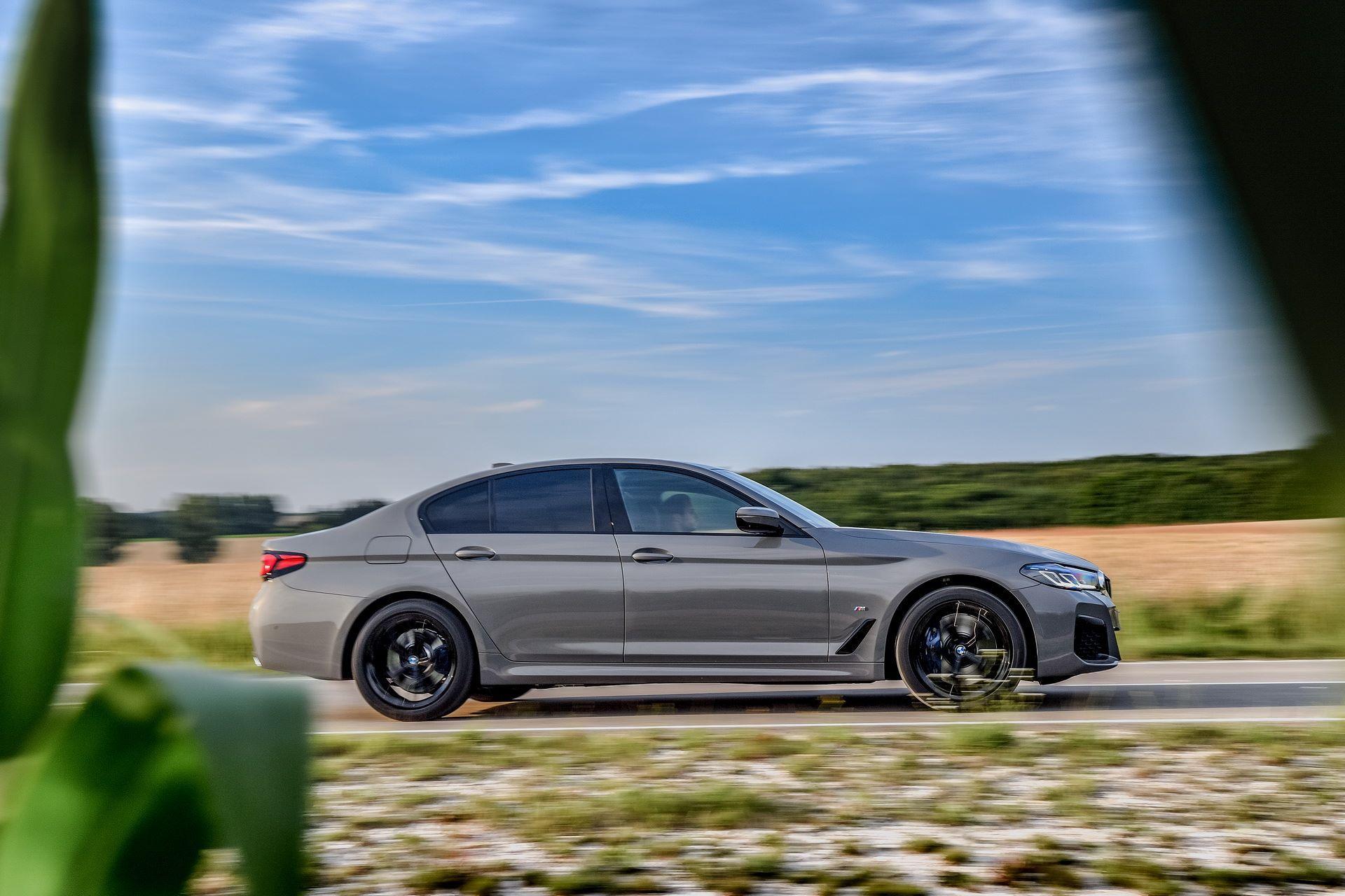 BMW-545e-xDrive-52