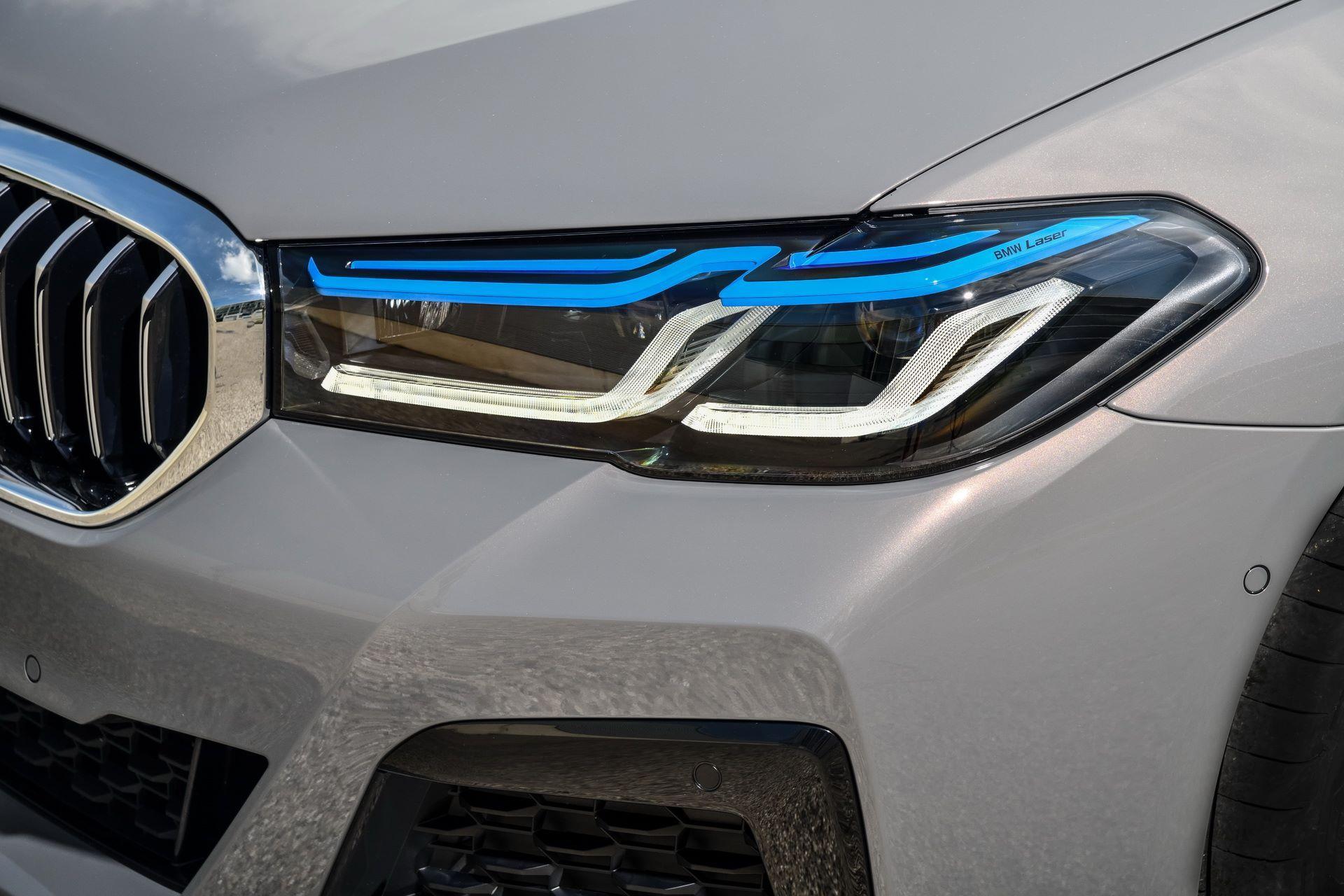 BMW-545e-xDrive-55