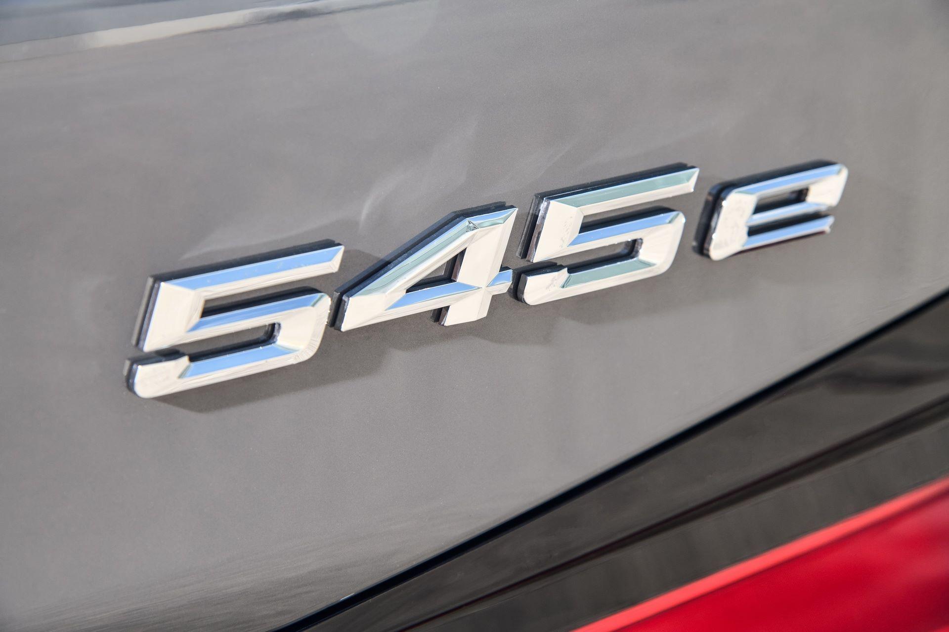 BMW-545e-xDrive-57