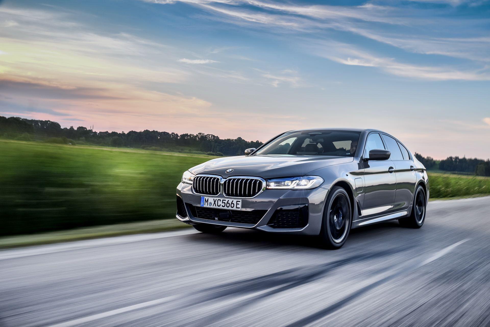 BMW-545e-xDrive-6
